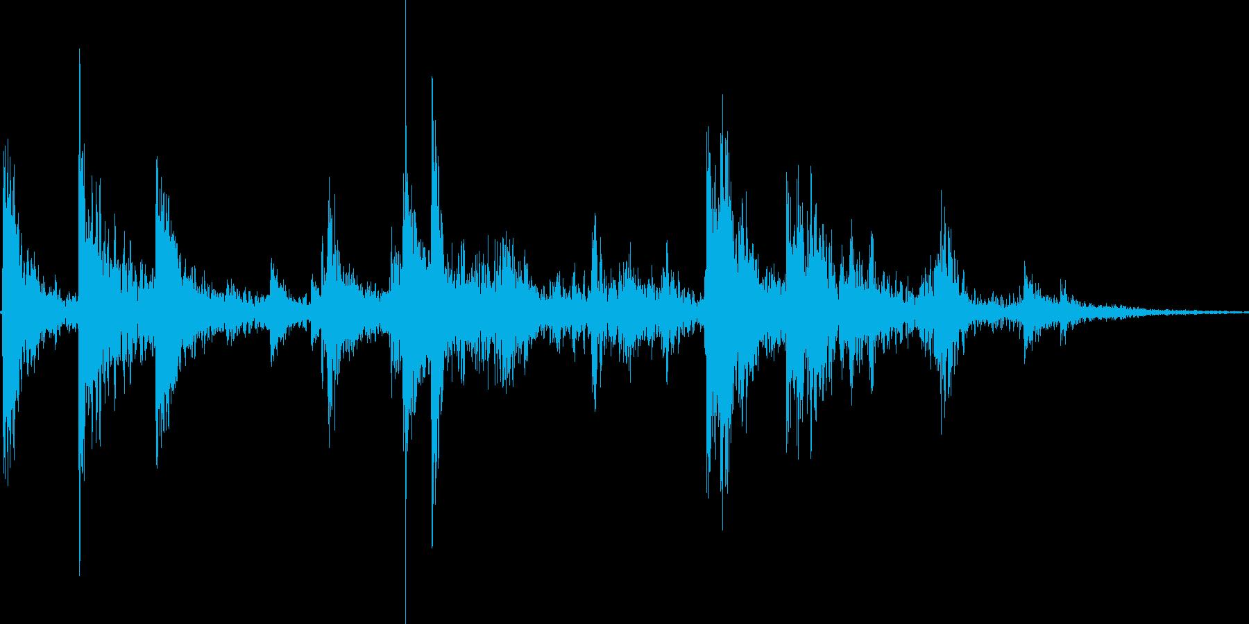 コイン_ケースに落ちる_獲得_03の再生済みの波形