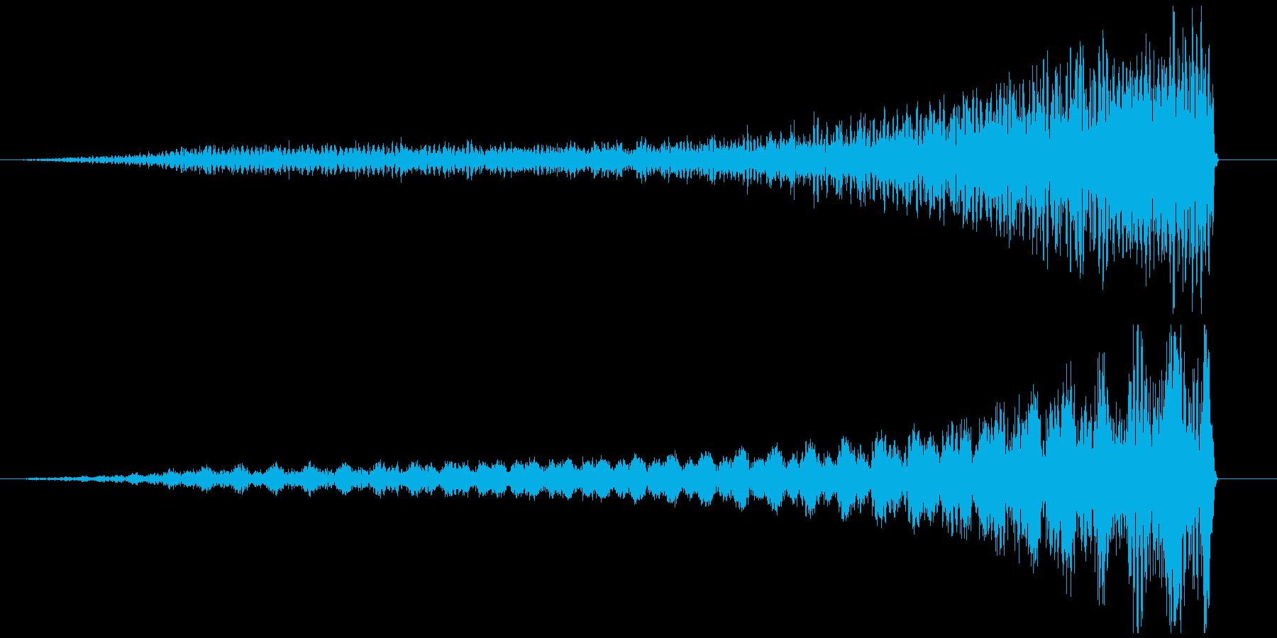 リバースピアノ長め ホラー サスペンス系の再生済みの波形