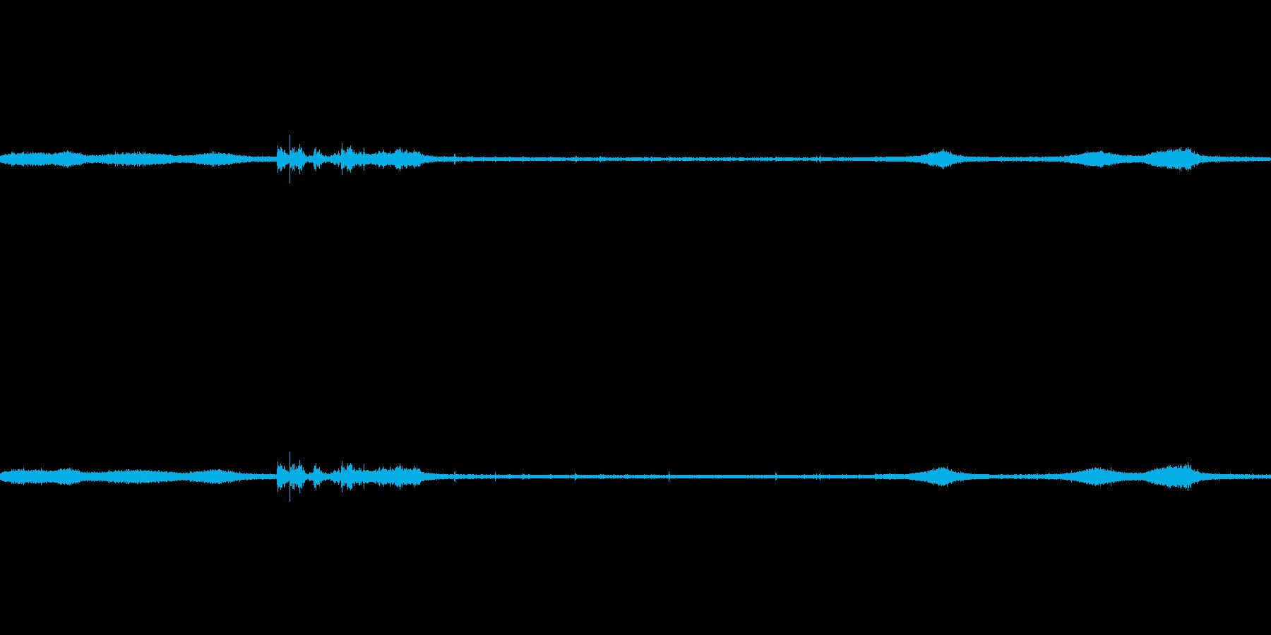【生音】雷雨45 - 雨と雷と通行音 …の再生済みの波形