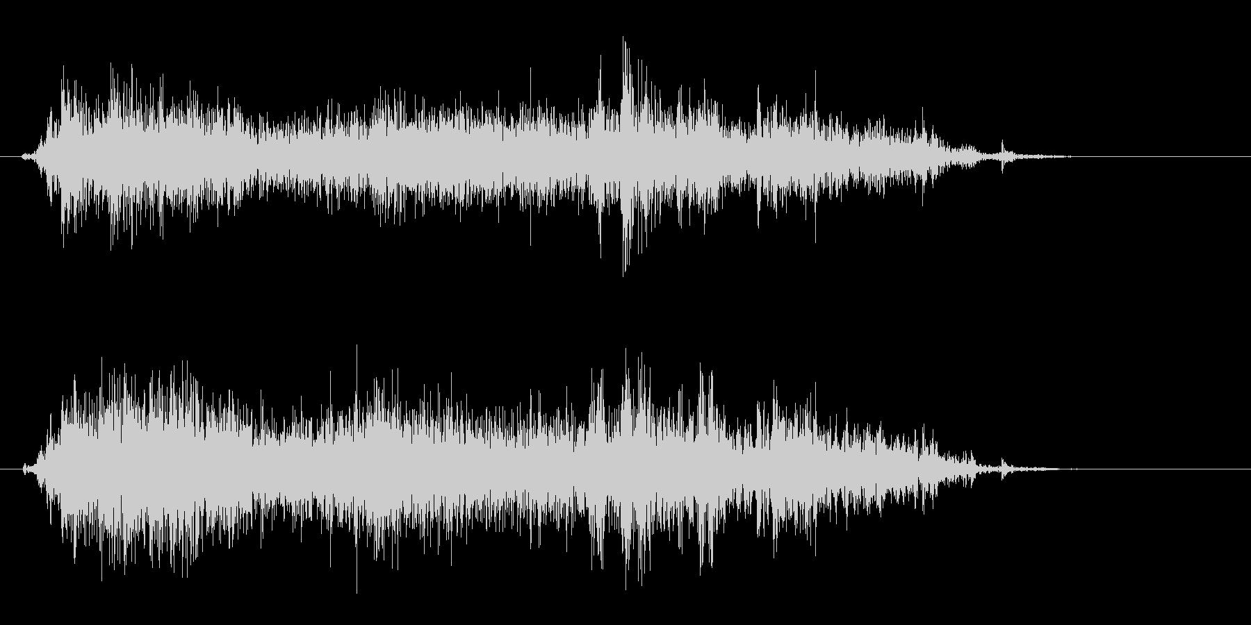 カサァという紙を擦る音の未再生の波形