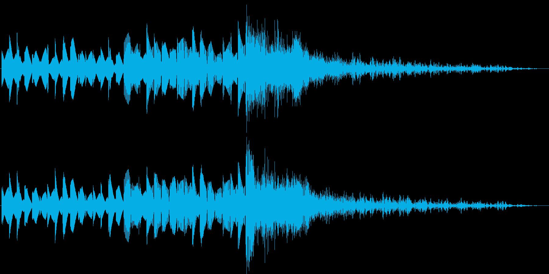 追いつめられ最後に撃墜されたメロと爆発音の再生済みの波形