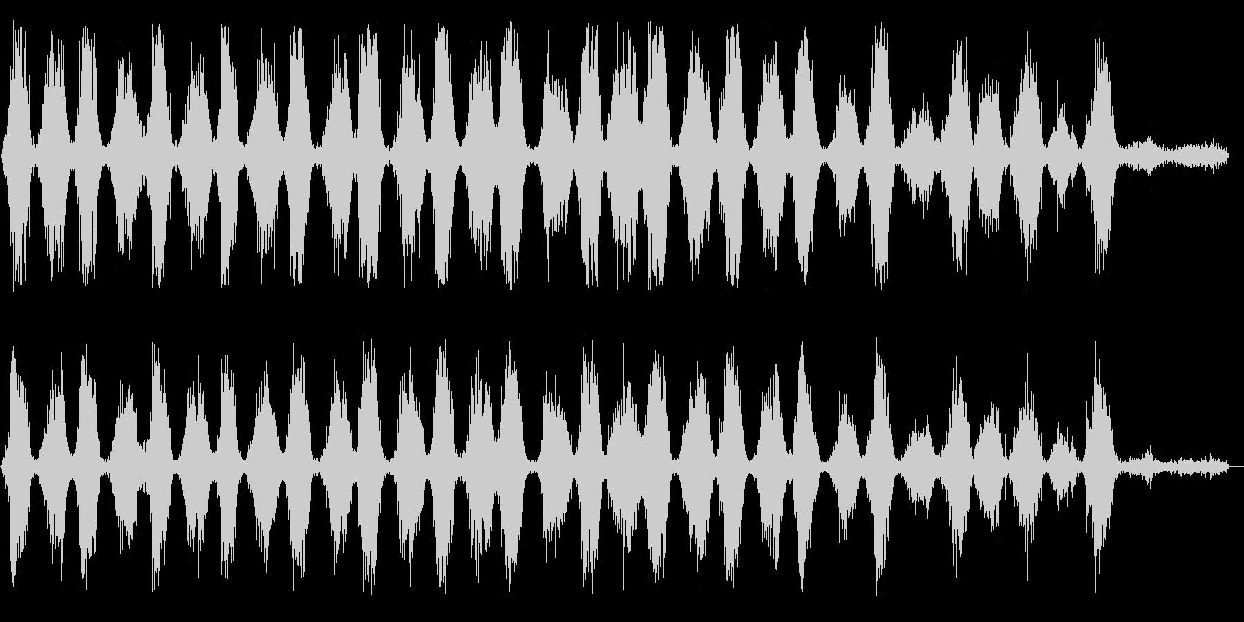ゼシュゼシュ(鋸を繰り返し引く音)の未再生の波形