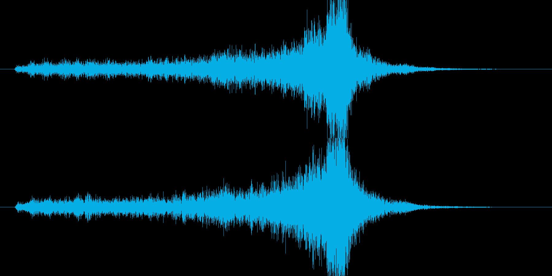 不安感を煽るトランペット等のフレーズの再生済みの波形