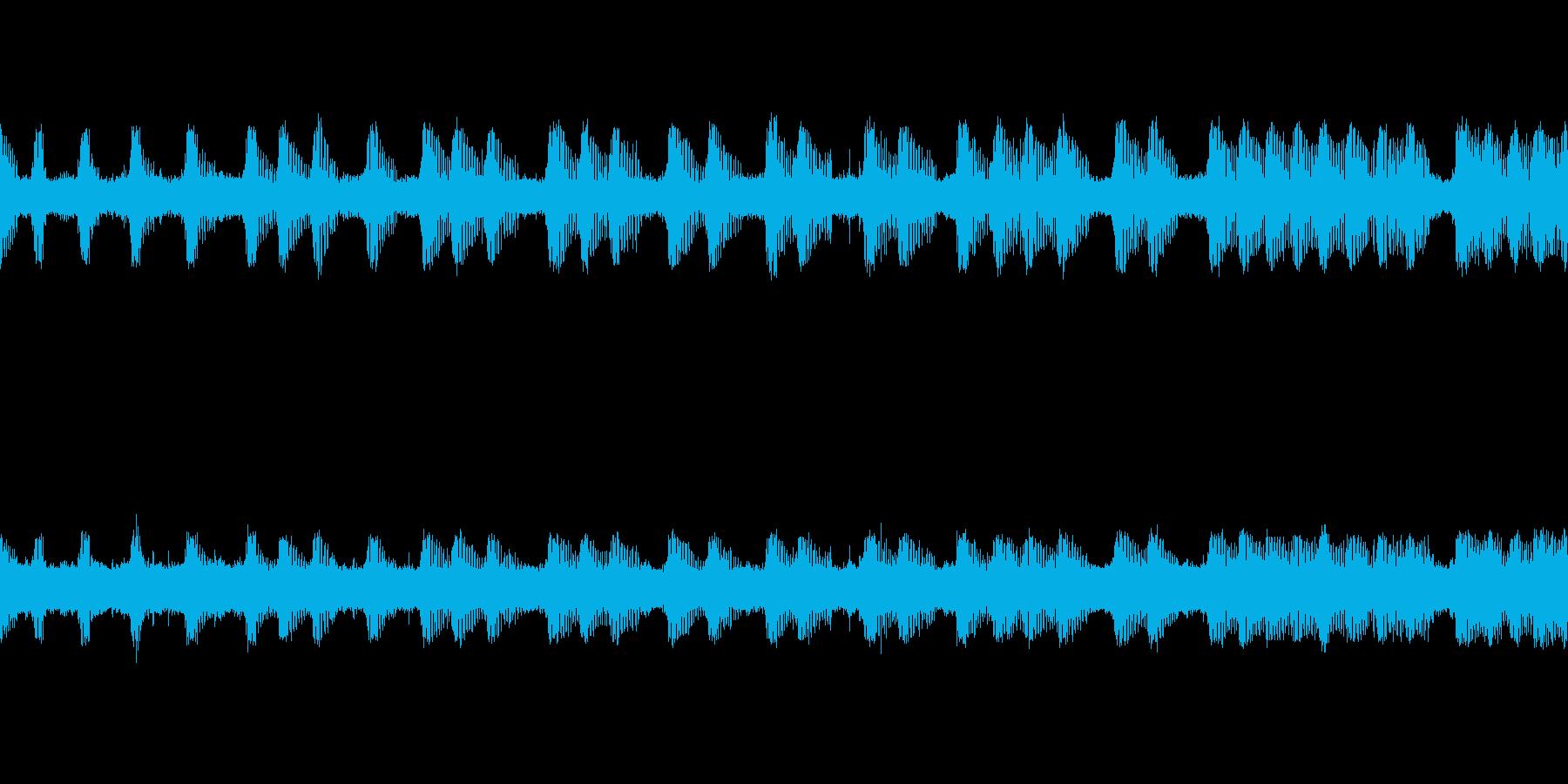 【環境音】虫、鳥─秋の里山その3こおろぎの再生済みの波形