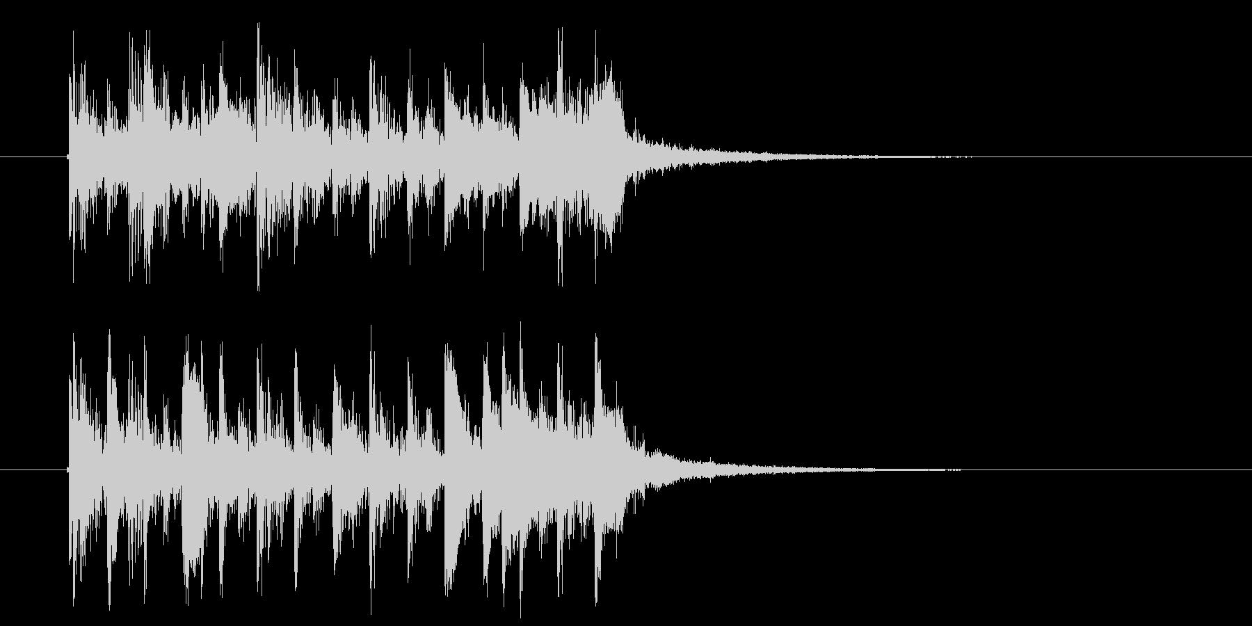 琴にリバーブがかかった音色の短い楽曲の未再生の波形