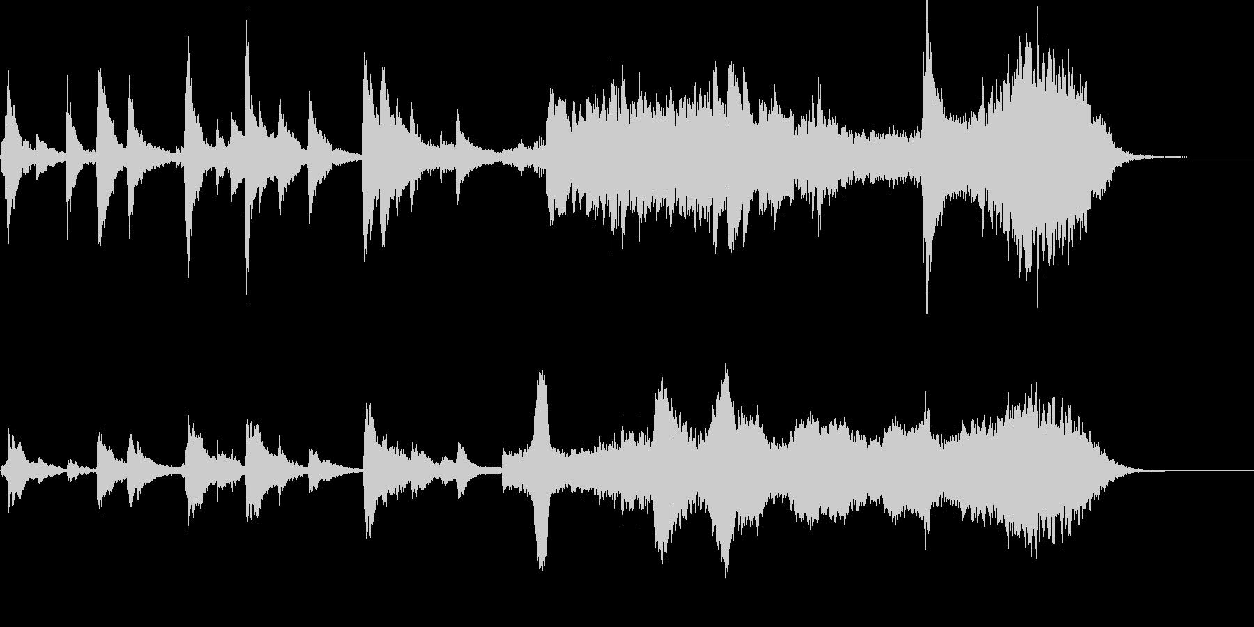 短:弦楽器とハープの幻想的なジングルの未再生の波形