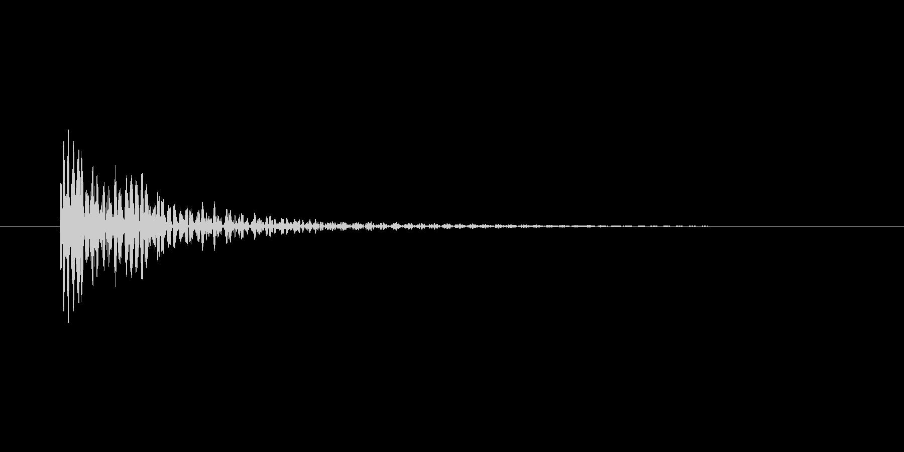 「ドーン」という伸びのある太鼓の音の未再生の波形