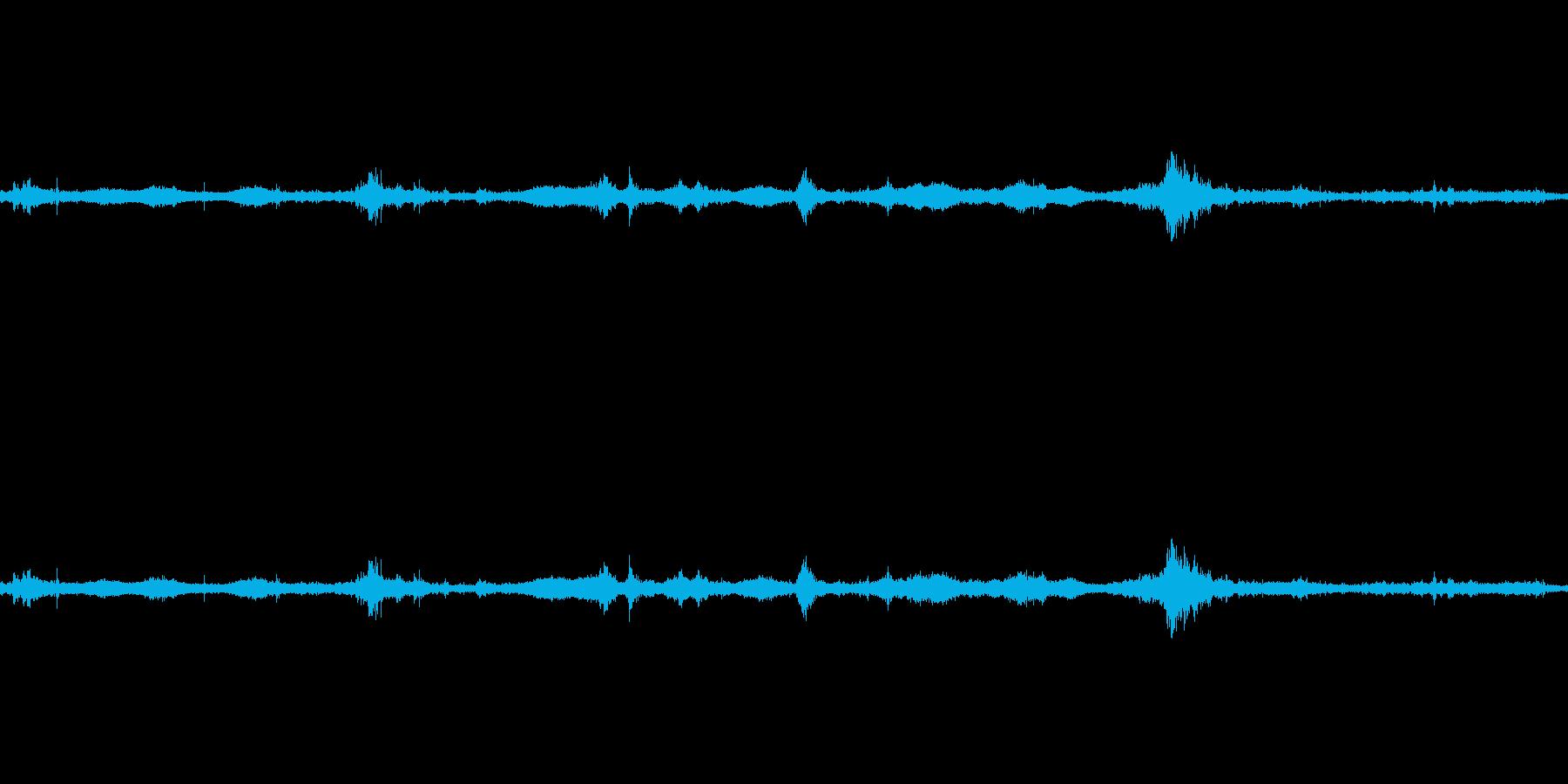 【生音】雷雨11 - 雨と雷と通行音 …の再生済みの波形