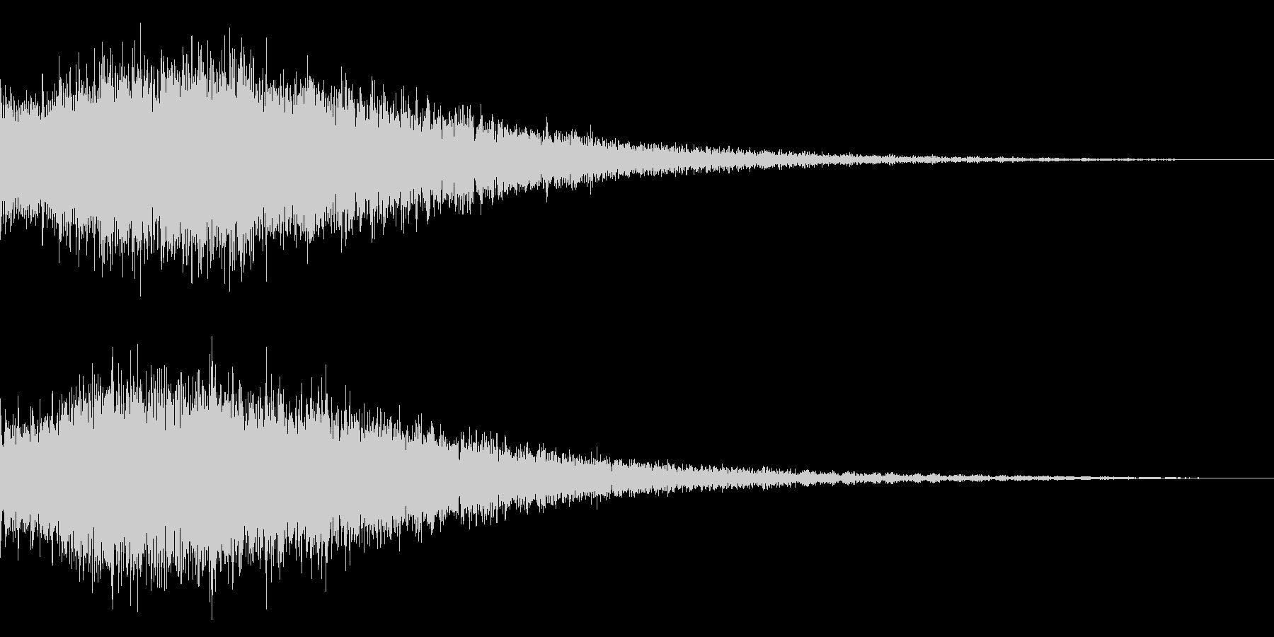 ピアノを加工した衝撃音の未再生の波形