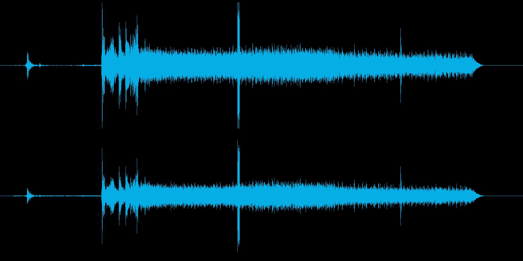 車にのってエンジンかける音の再生済みの波形