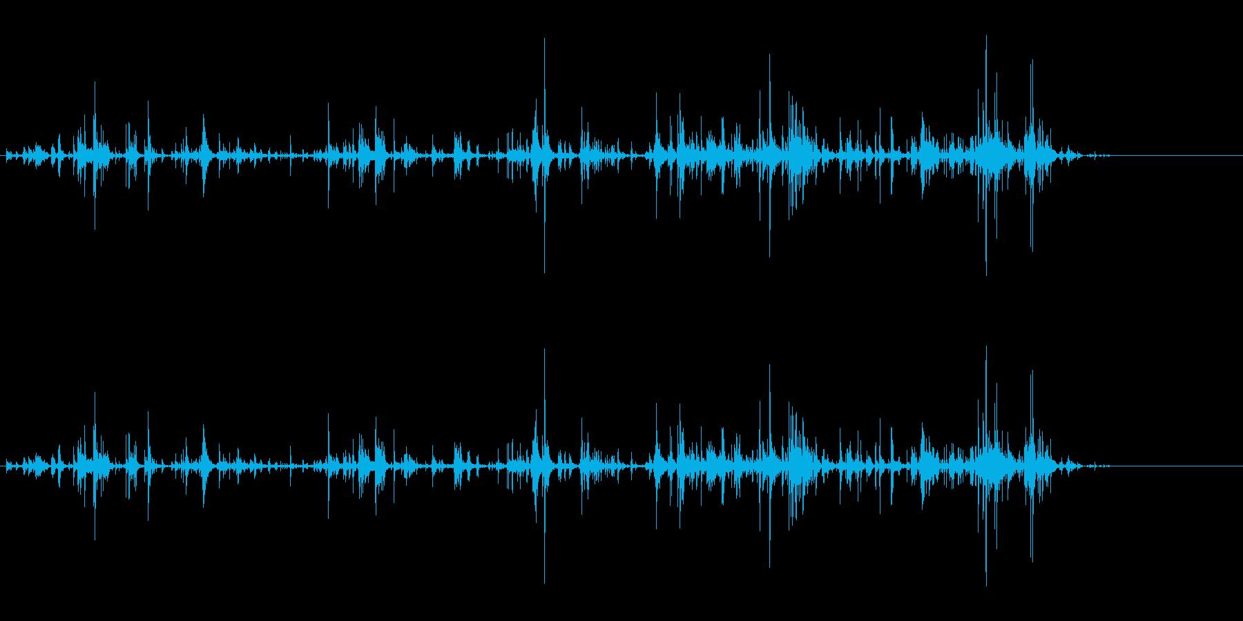 「カラカラ〜」ウッドチャイムの渇いた音の再生済みの波形