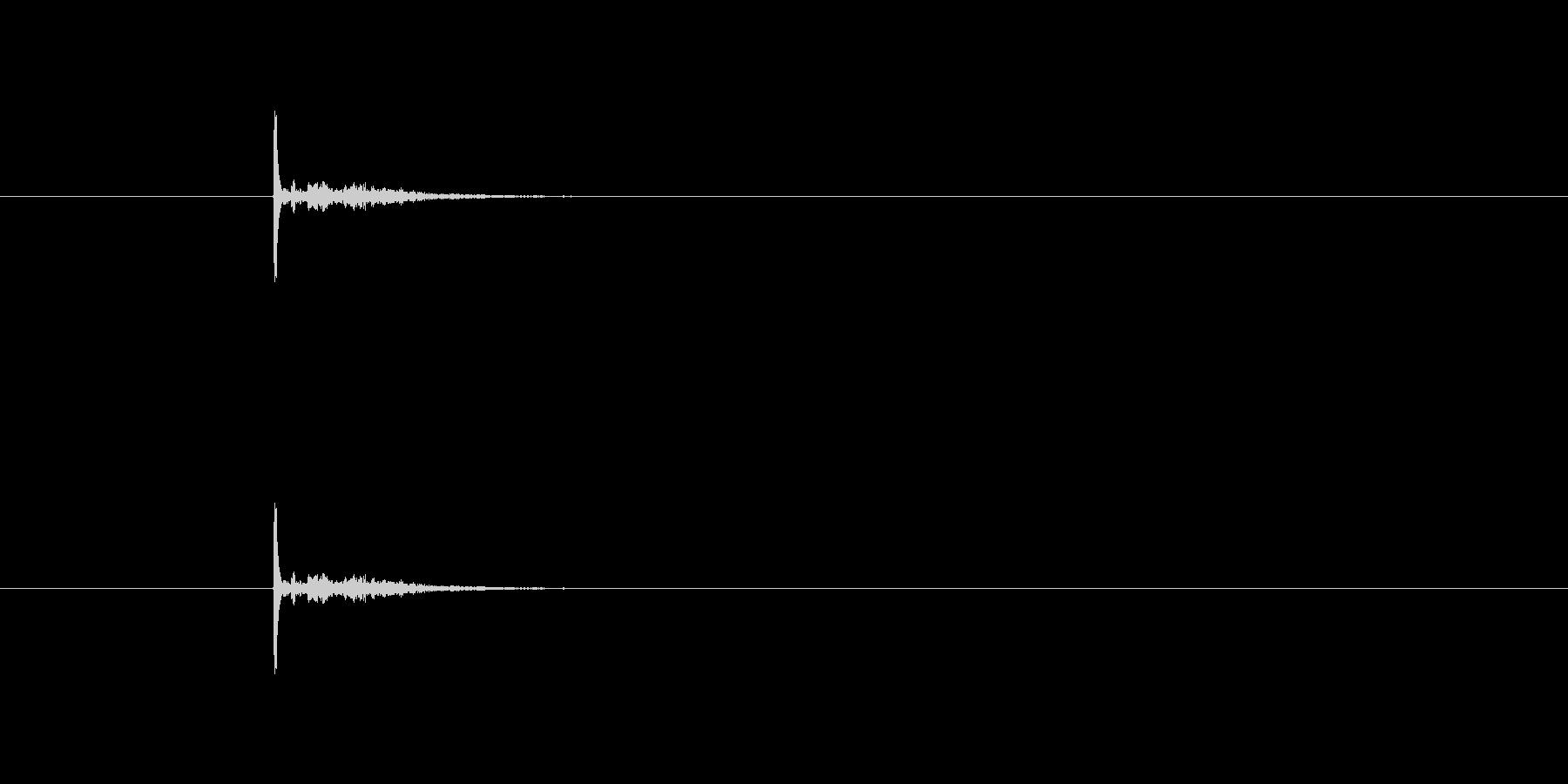 パチッ(物音)の未再生の波形