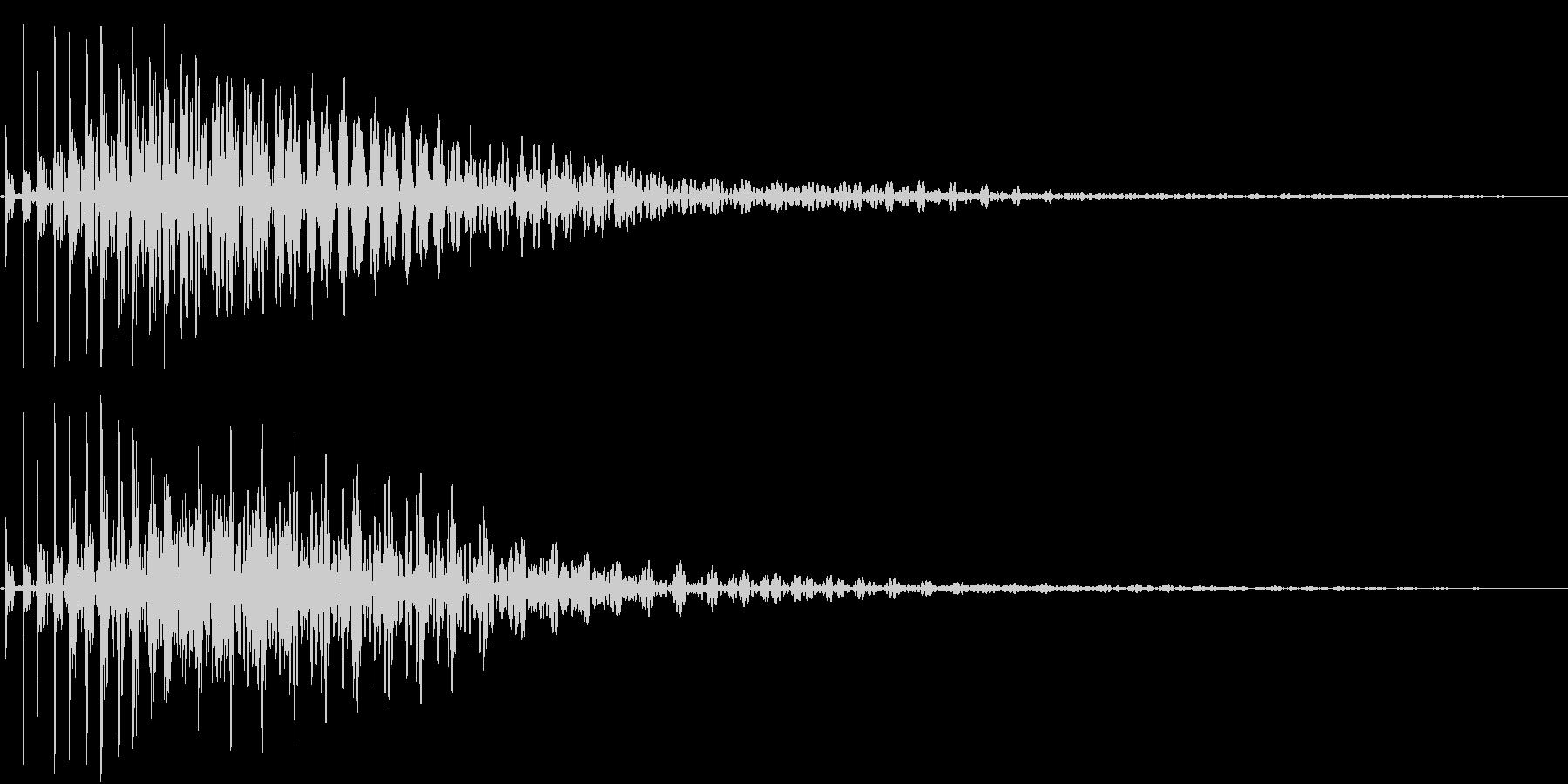Bass ブリッと重厚な決定音 残響付きの未再生の波形