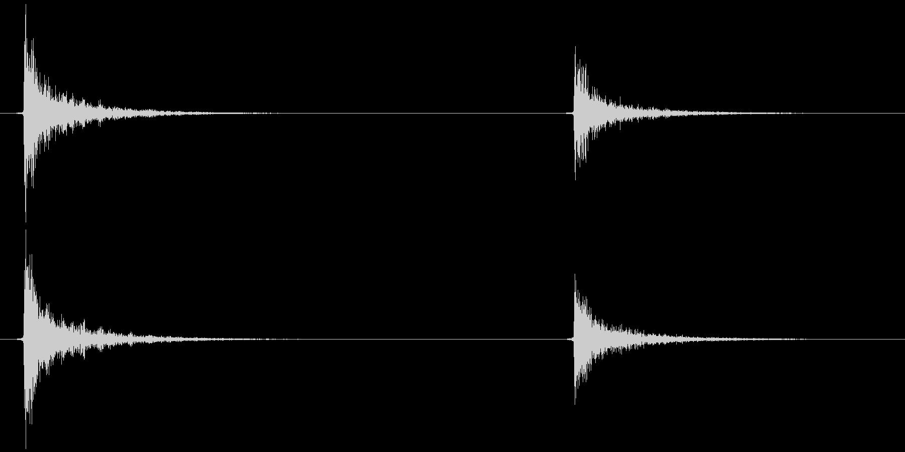 照明 紐を引く  カッ…チッの未再生の波形
