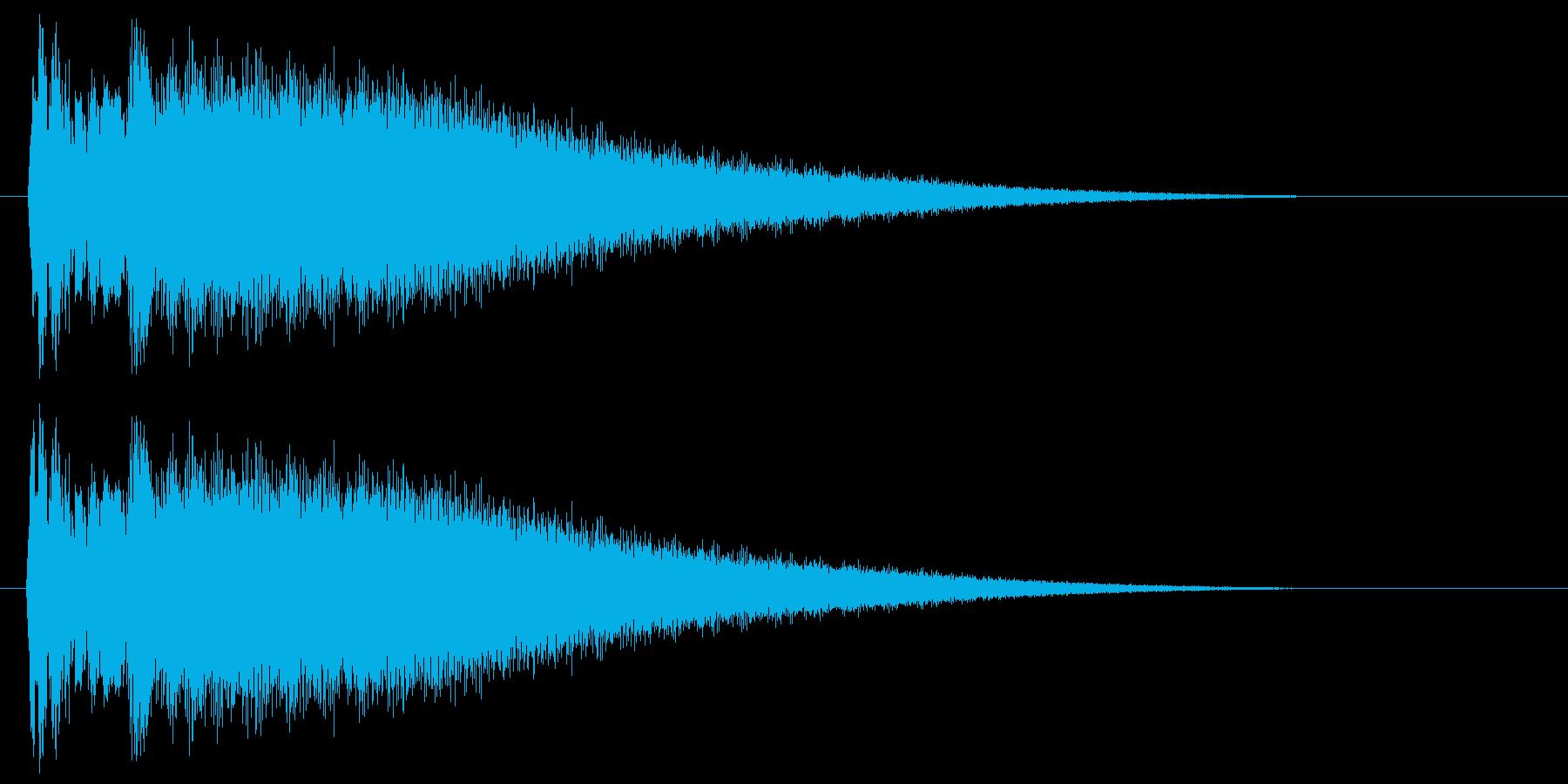 チーン(金属を叩いたときの高音)の再生済みの波形