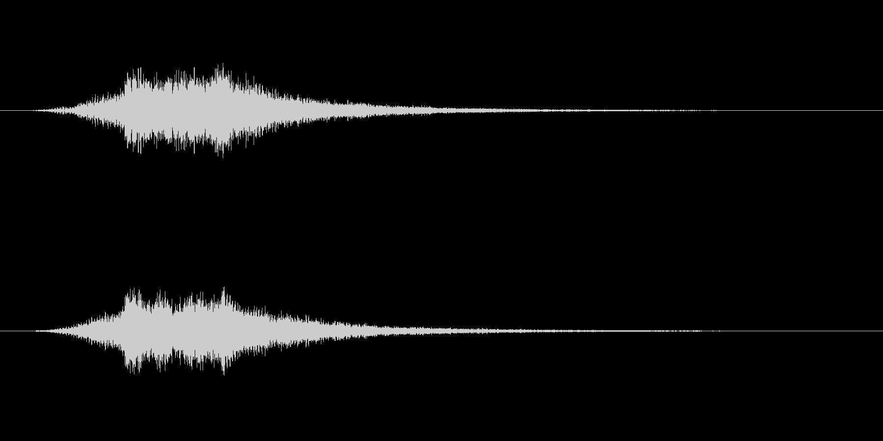 柔らかなパソコンの起動音のような音の未再生の波形