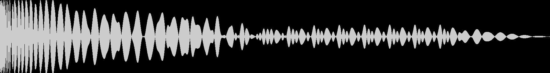 EDMキック キーEの未再生の波形