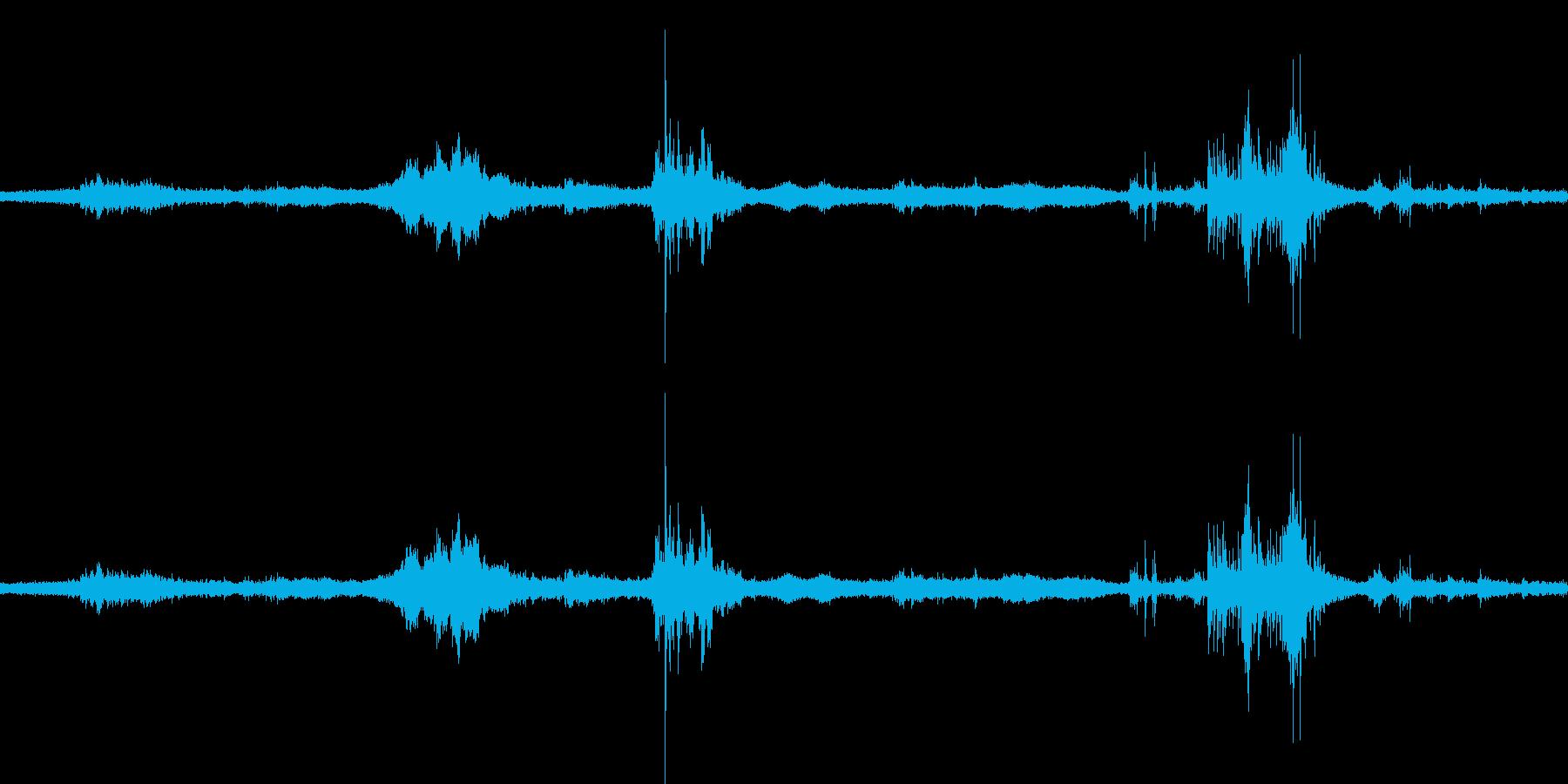 【生音】雷雨7 - 雨と雷と通行音 「…の再生済みの波形