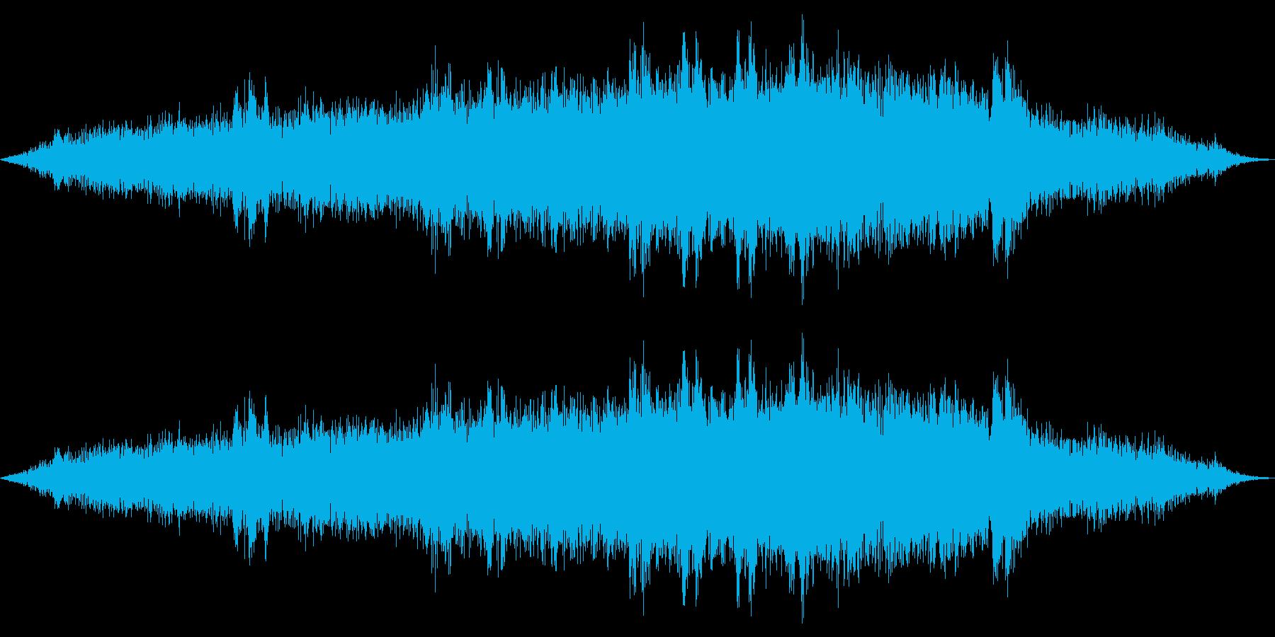 【マイク収録】勢いよく電車が走る音の再生済みの波形
