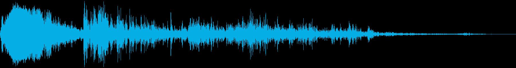 落雷(近距離で炸裂)の再生済みの波形
