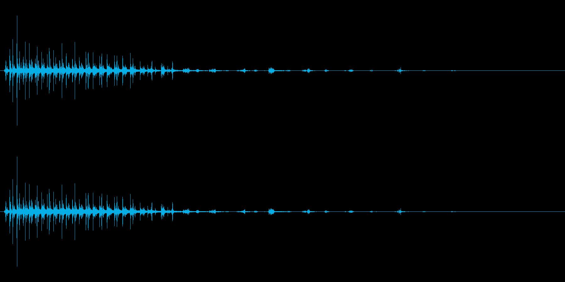 パタパタパタ〜鳥の羽ばたきの擬音リバーブの再生済みの波形