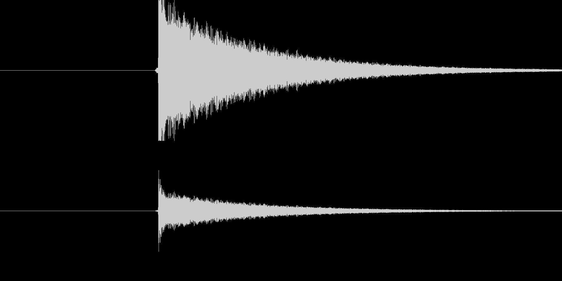 チーン(トライアングルの音)の未再生の波形