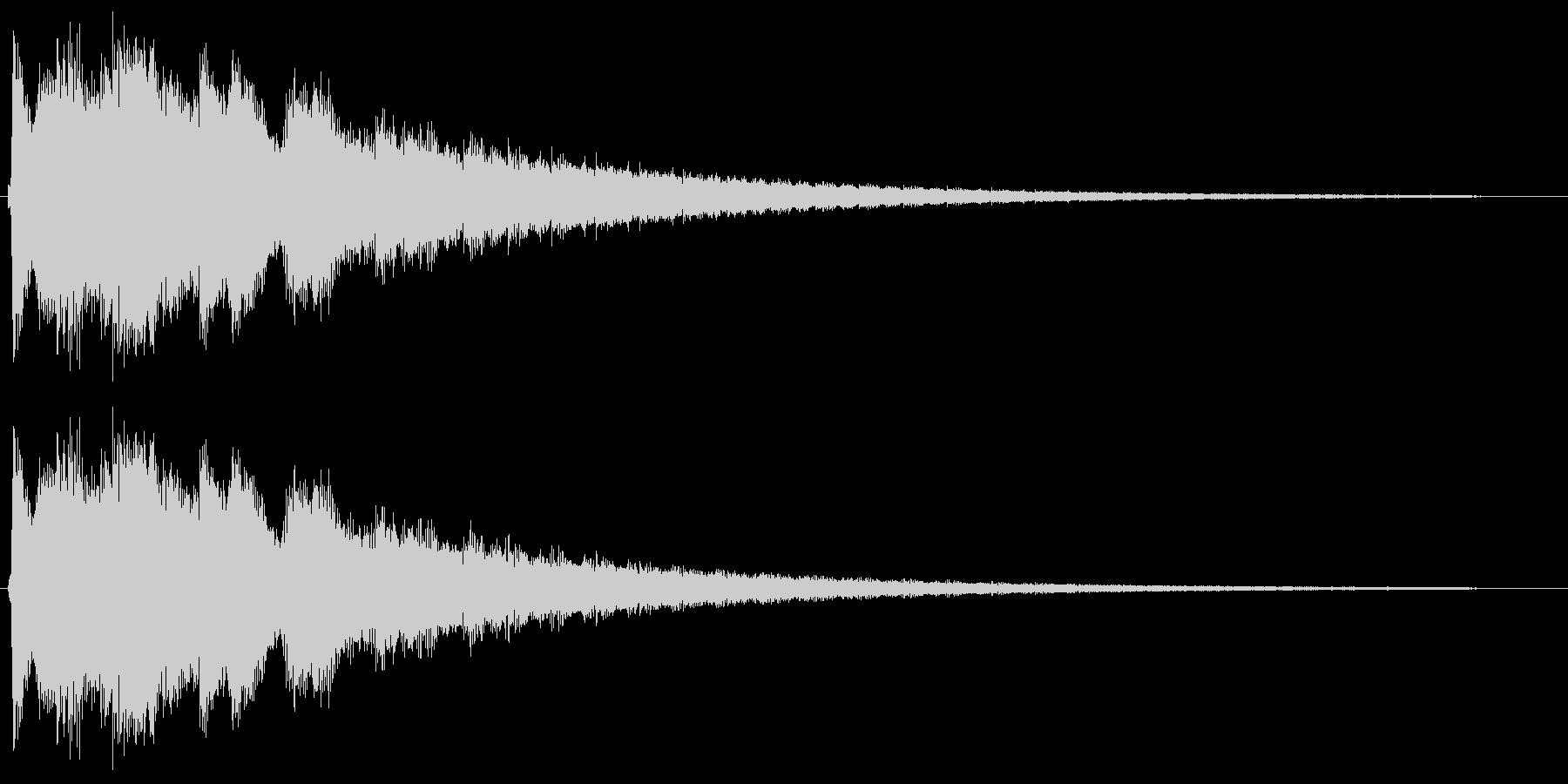 金属的なチリ〜ンとした音の未再生の波形