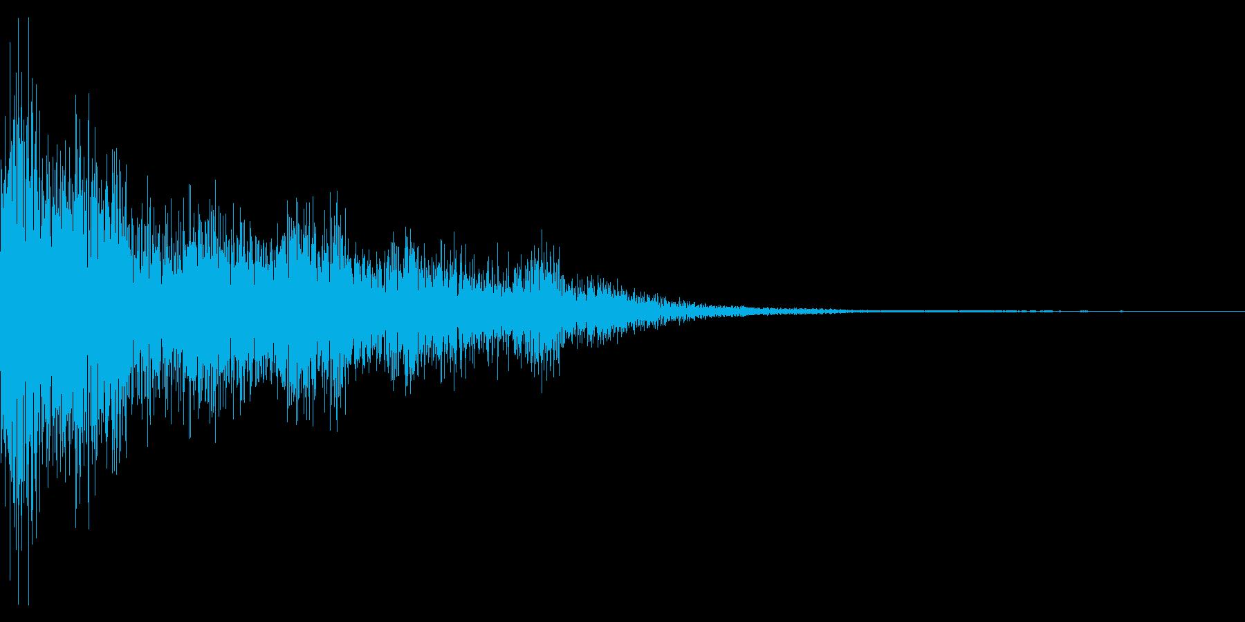 【SE】片手剣_攻撃02(シュビン少重)の再生済みの波形