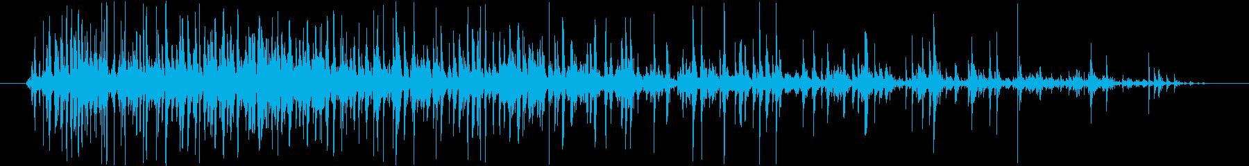コポコポコポ…(飲み物を注ぐ音、長め)の再生済みの波形