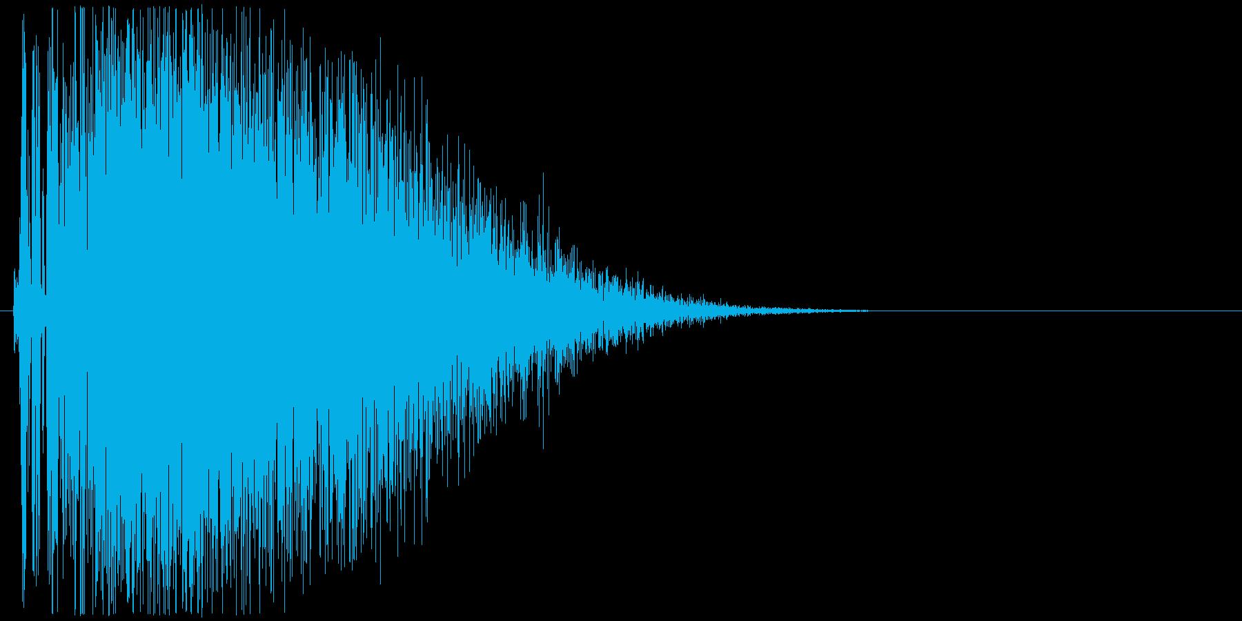 ドカーン(大砲、戦車、爆発)の再生済みの波形