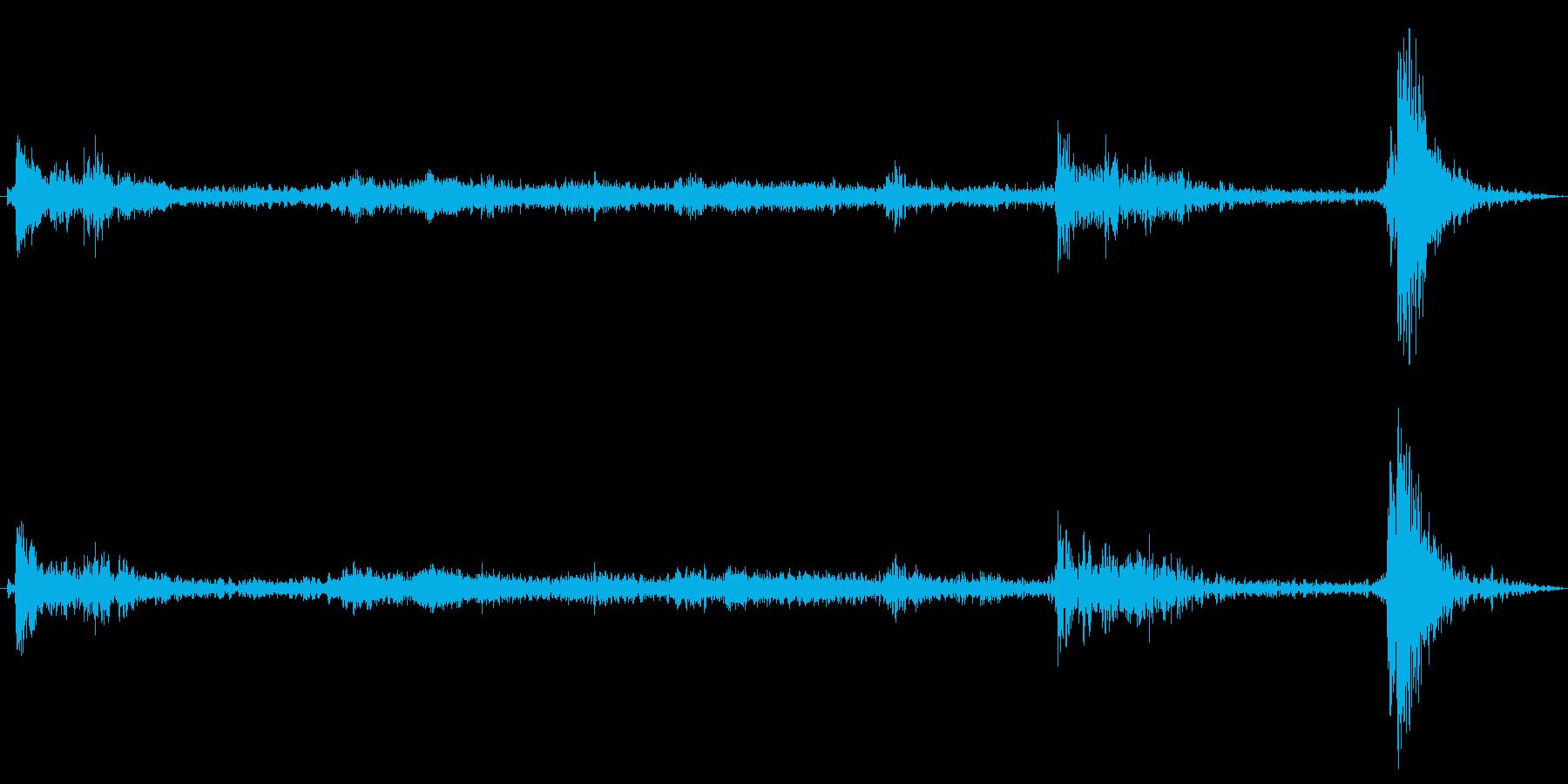 モノレールのドアが開く(ピンポン)の再生済みの波形