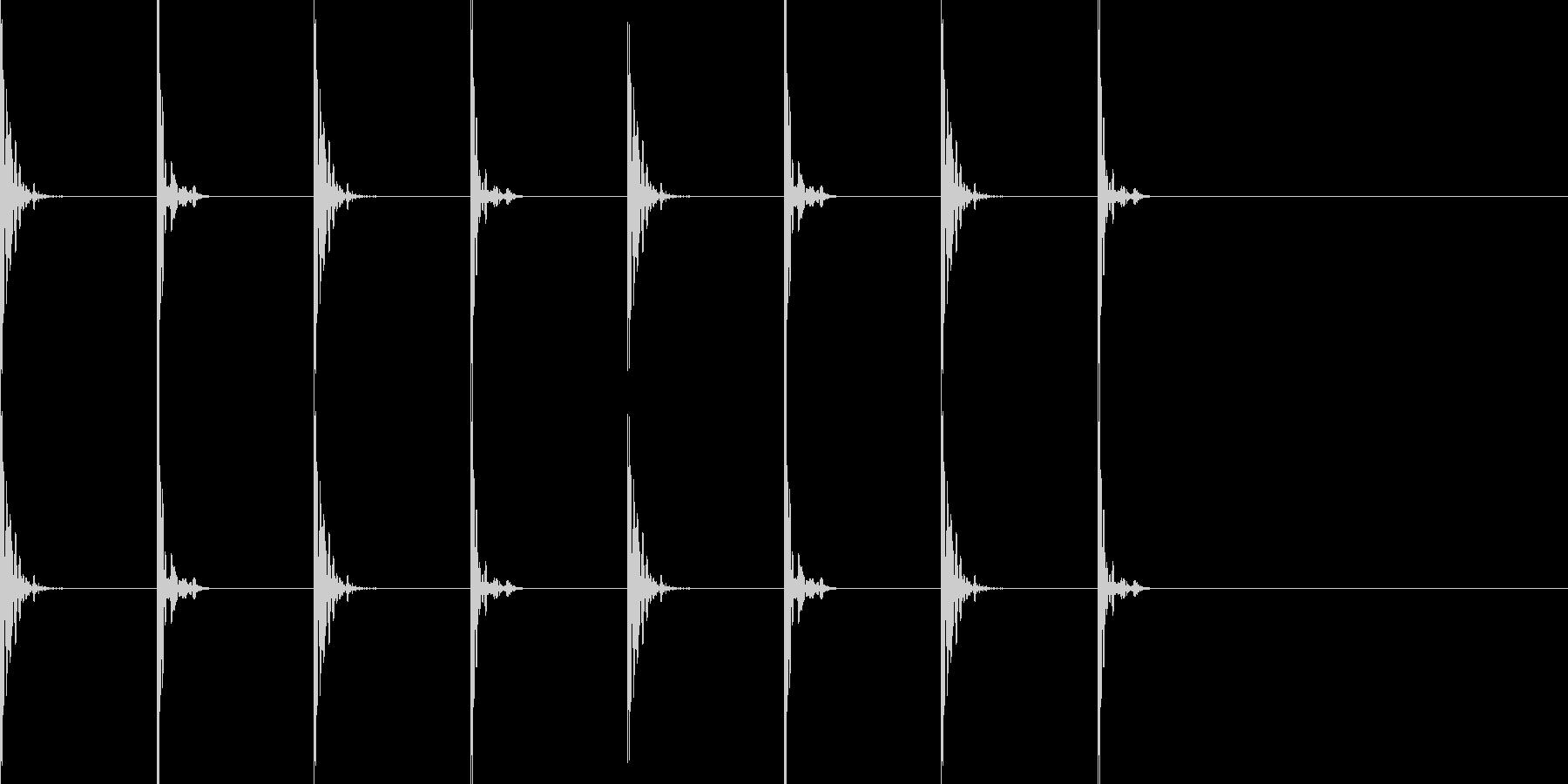 足音 ドスドスの未再生の波形