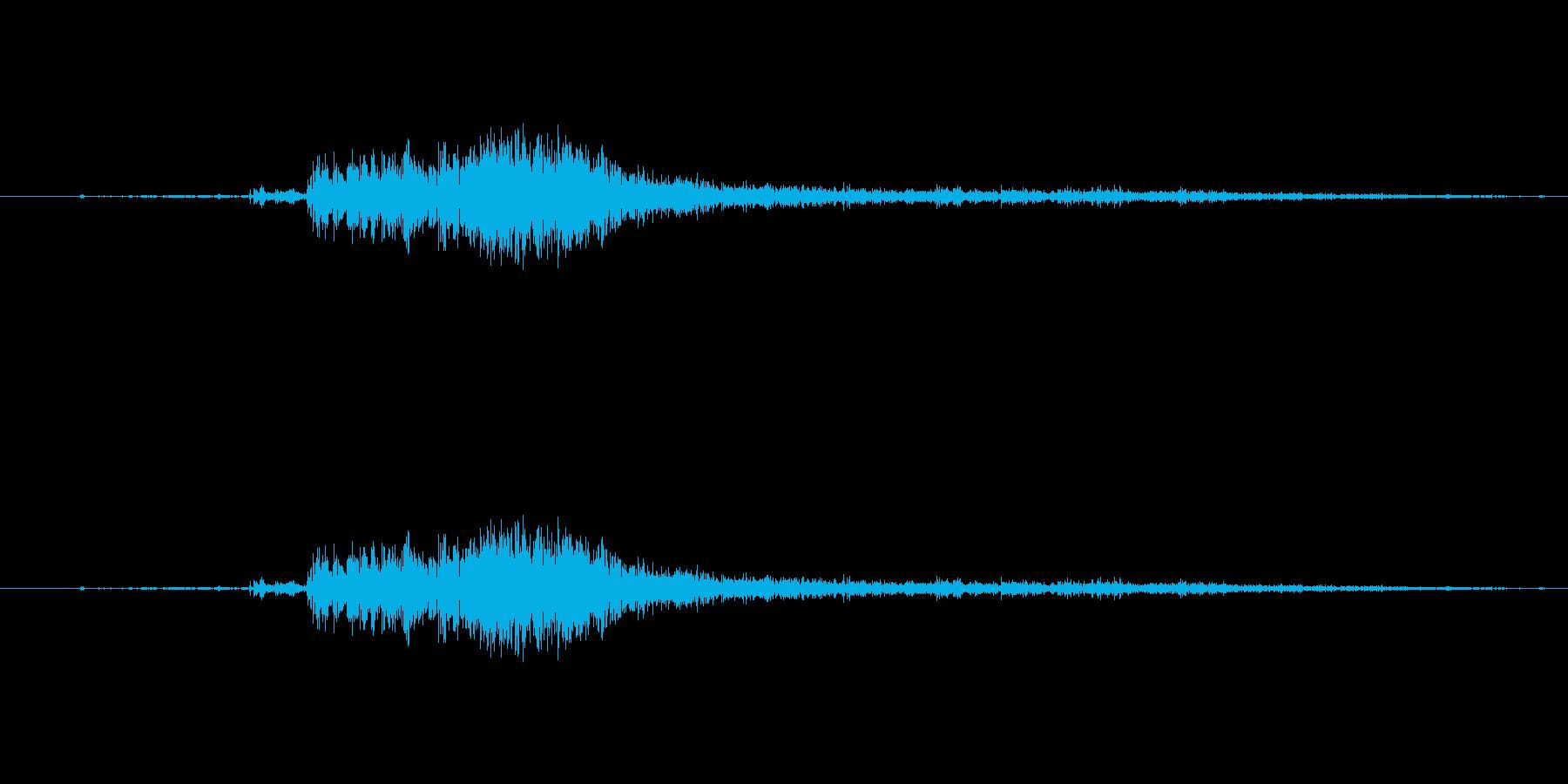 枯葉を蹴る音の再生済みの波形