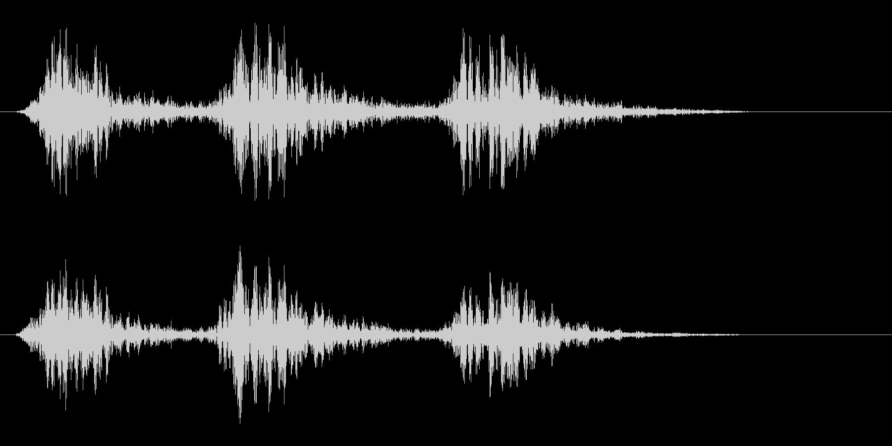 ダタタン(身近なものを叩いたような音)の未再生の波形