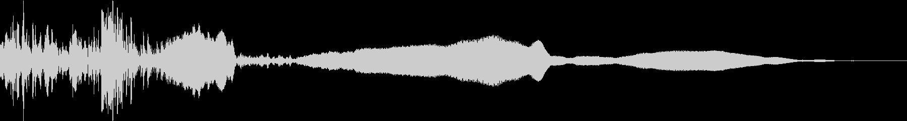 木のドアを開ける(金属のこすれる音長め)の未再生の波形