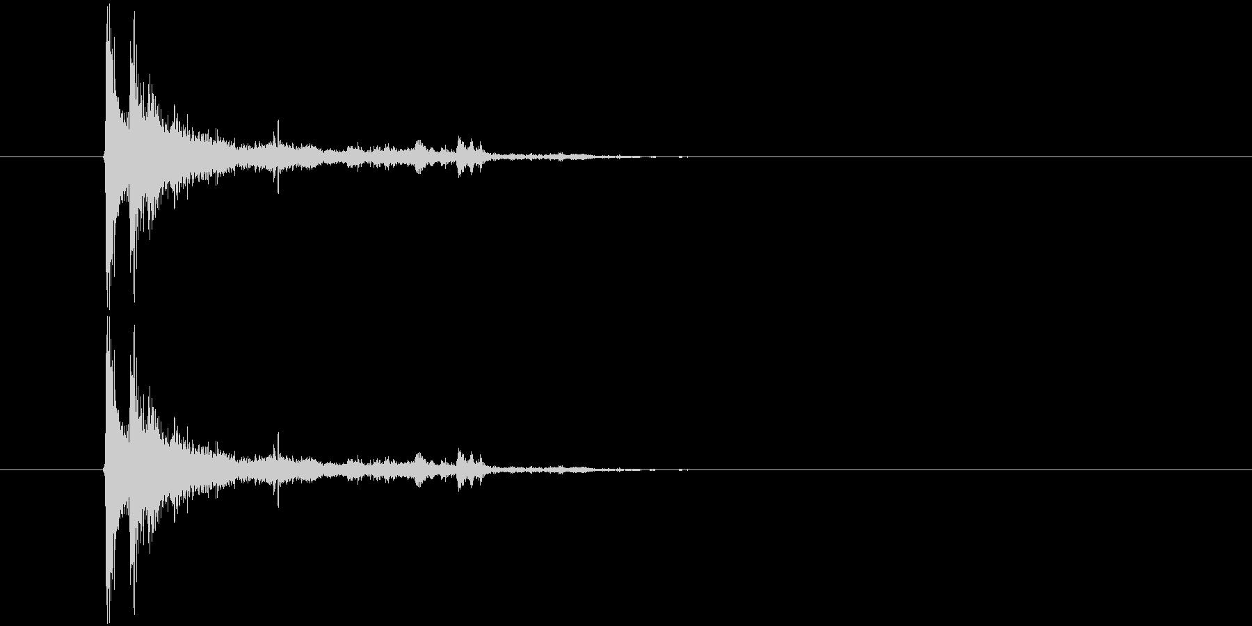 ガシャーン(窓ガラスが割れる音)の未再生の波形