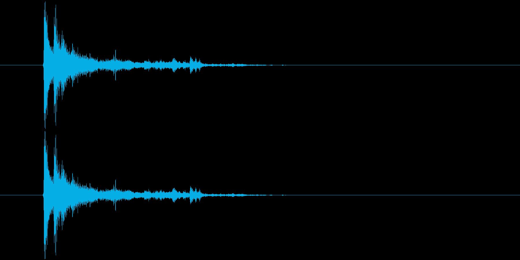 ガシャーン(窓ガラスが割れる音)の再生済みの波形
