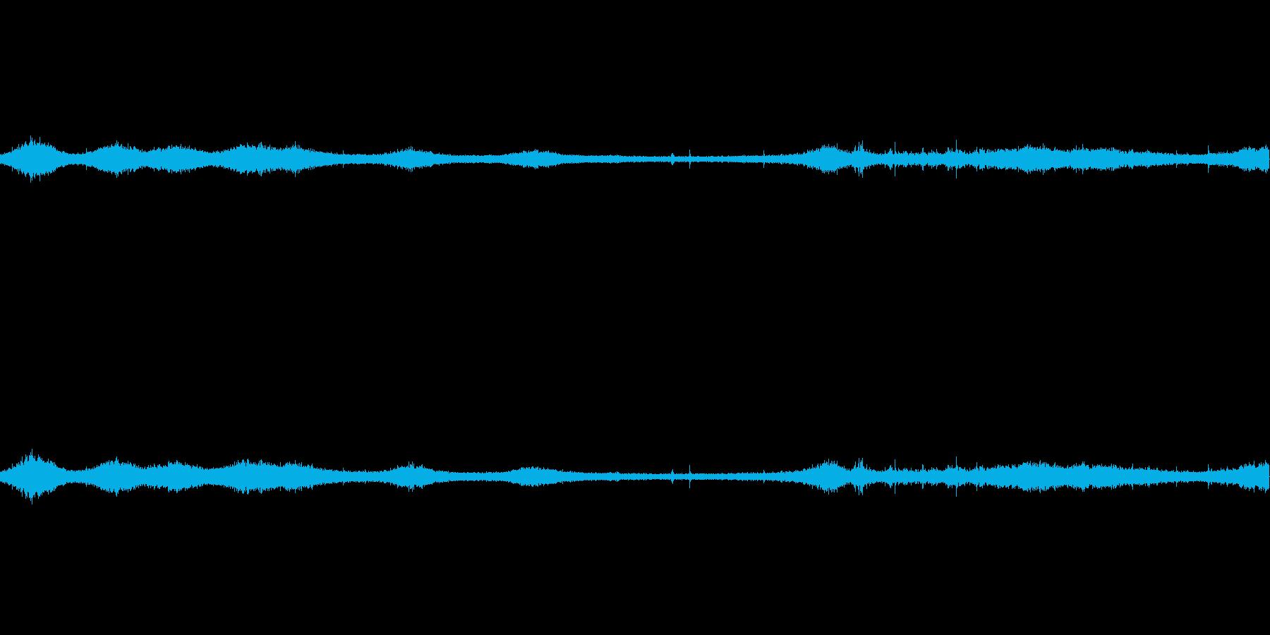 【生音】雷雨16 - 雨と雷と通行音 …の再生済みの波形
