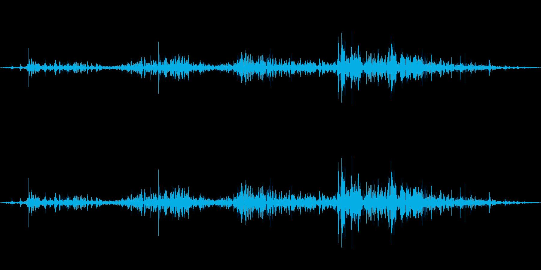 クロス・布・バサッと広げる2の再生済みの波形