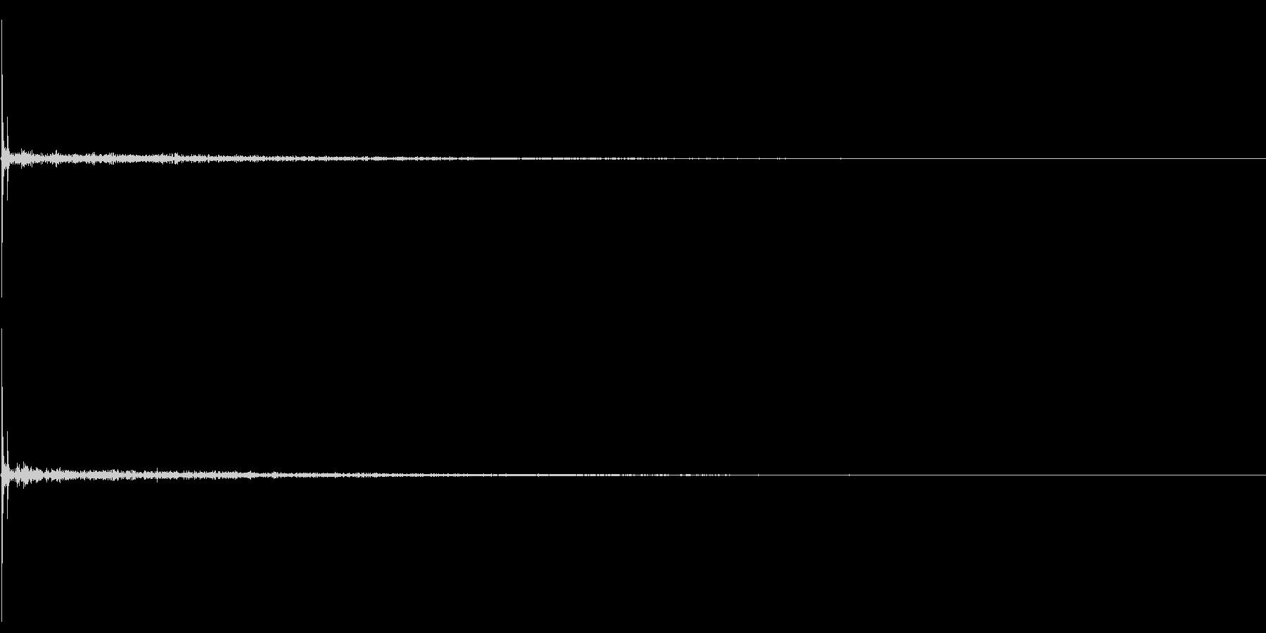 コツ(ヒールの足音・単体・残響あり)の未再生の波形