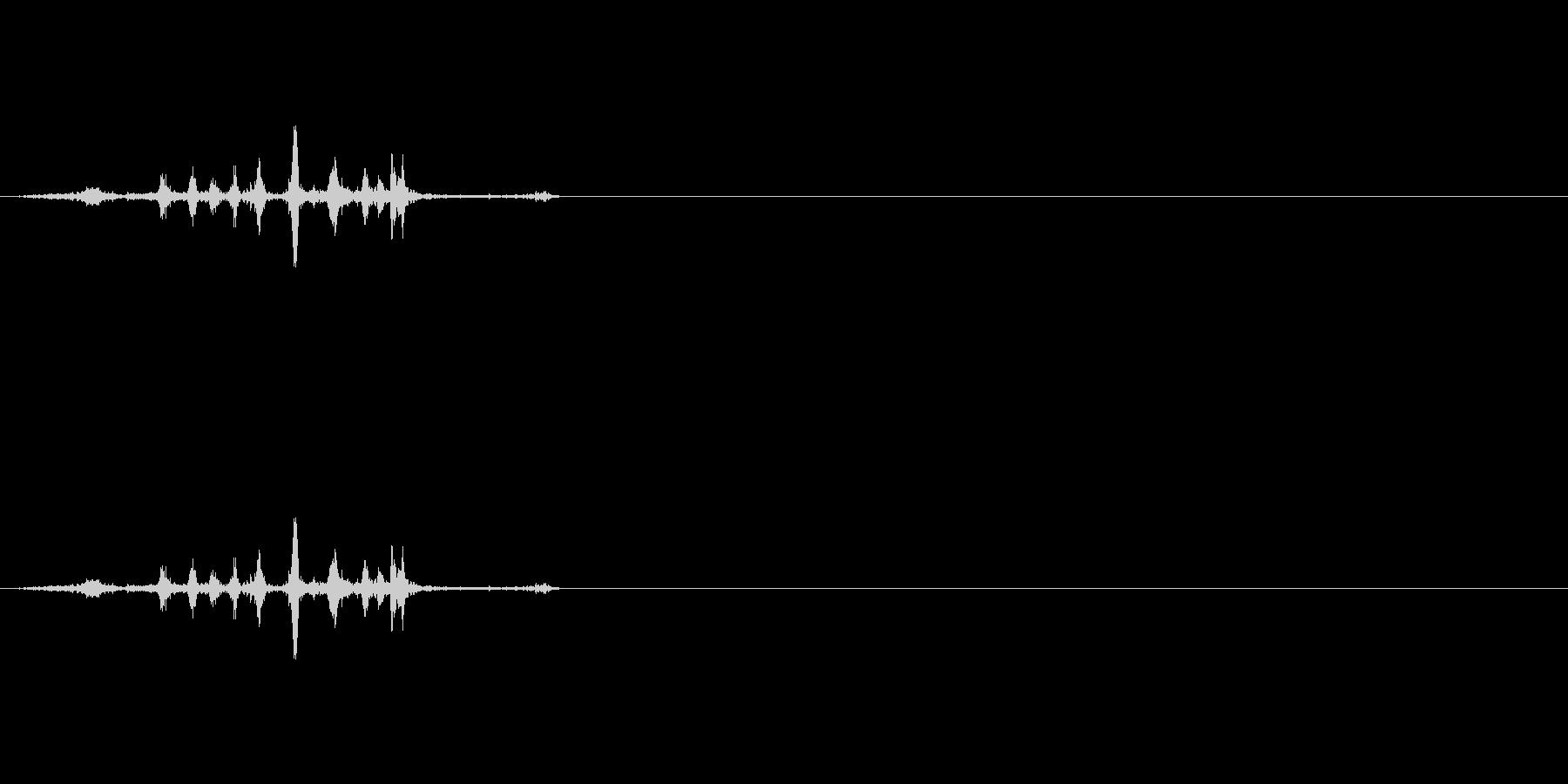 ハサミで厚紙を切る音(1)の未再生の波形