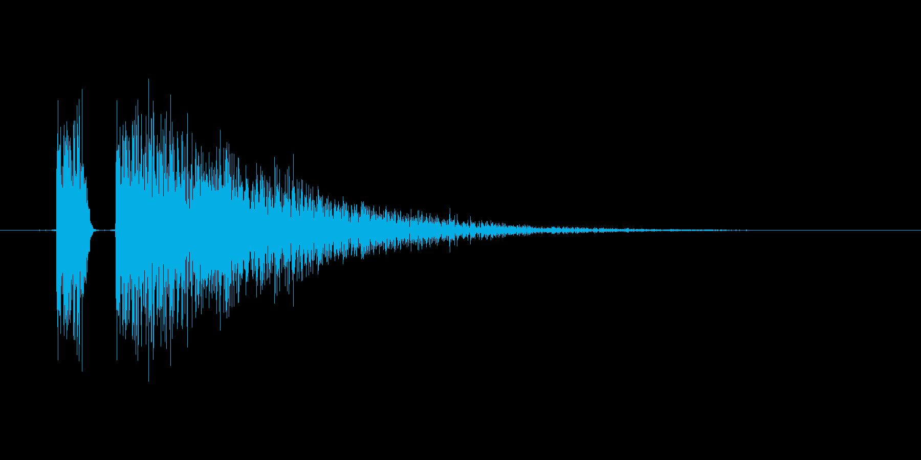 レトロな攻撃音。射撃やビーム。の再生済みの波形