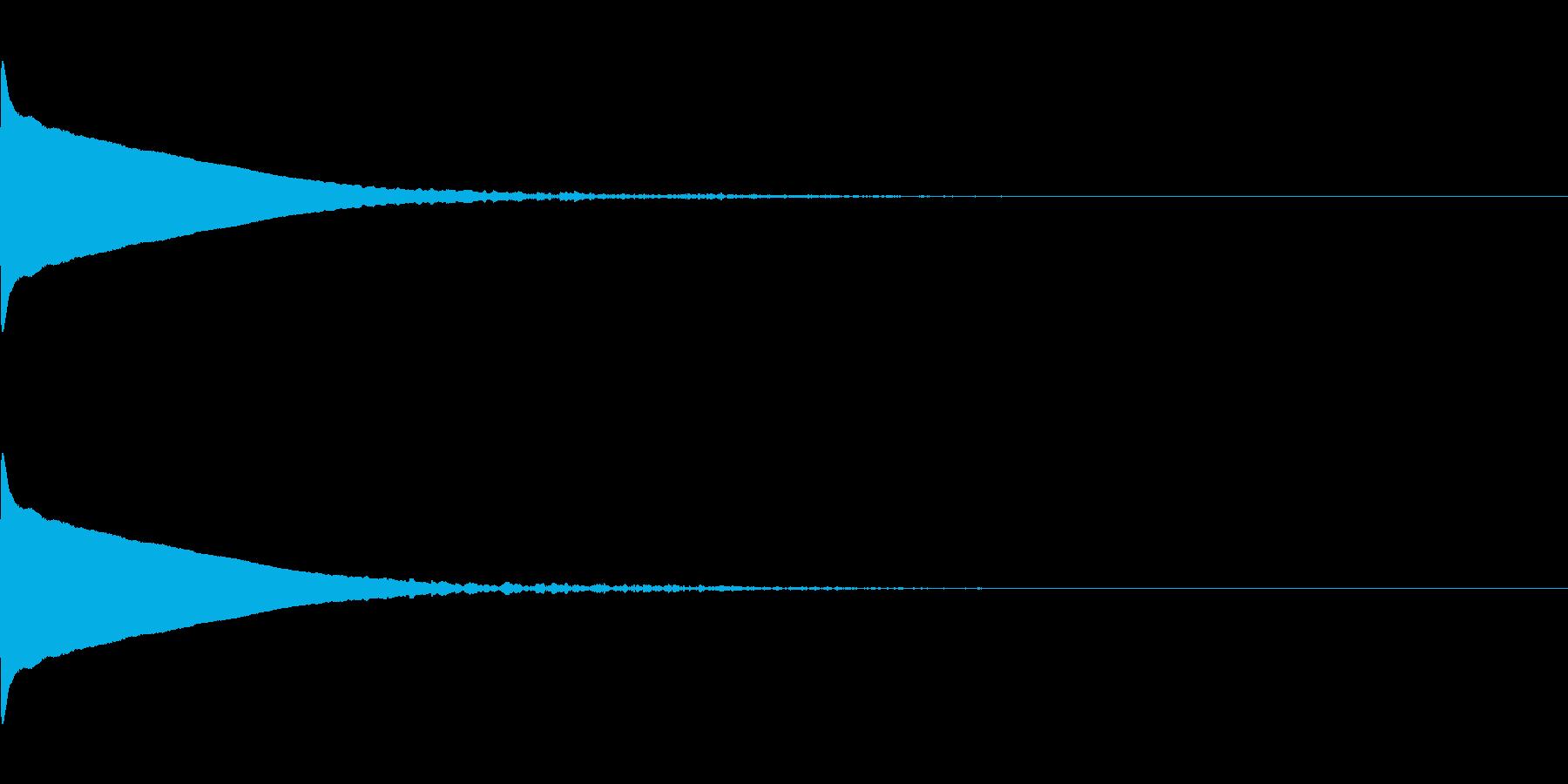 ひゅ〜ん(深い落下音)の再生済みの波形