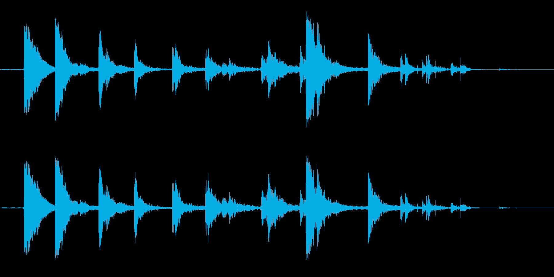 カランカラン空き缶が転がる音の再生済みの波形