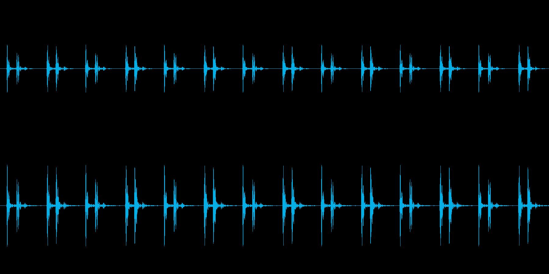 ホラーなどに適した低めの心臓の鼓動の再生済みの波形