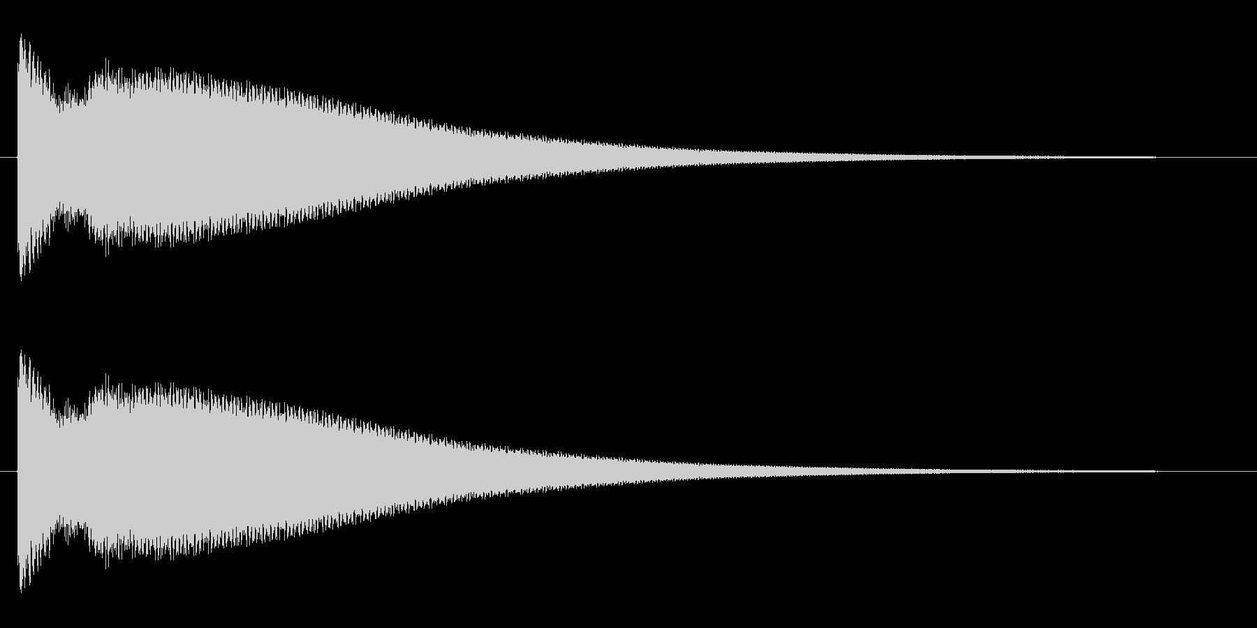 チーンというクリアな音の未再生の波形