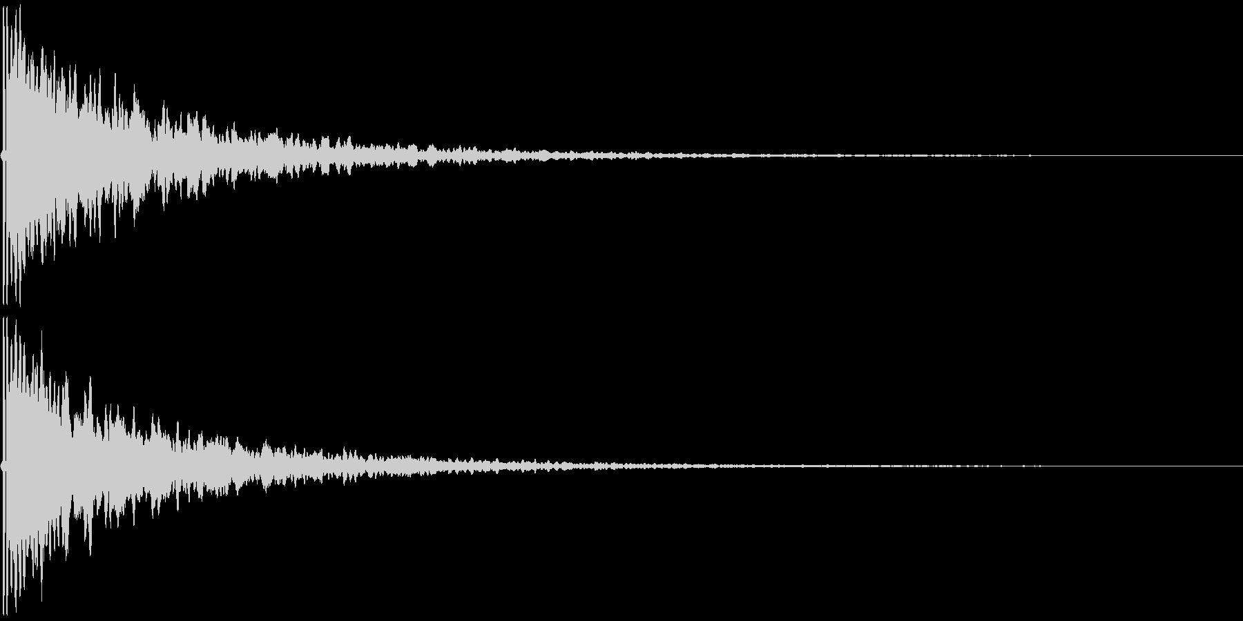 ピーン(耳鳴りや、何かの知らせのSE)の未再生の波形