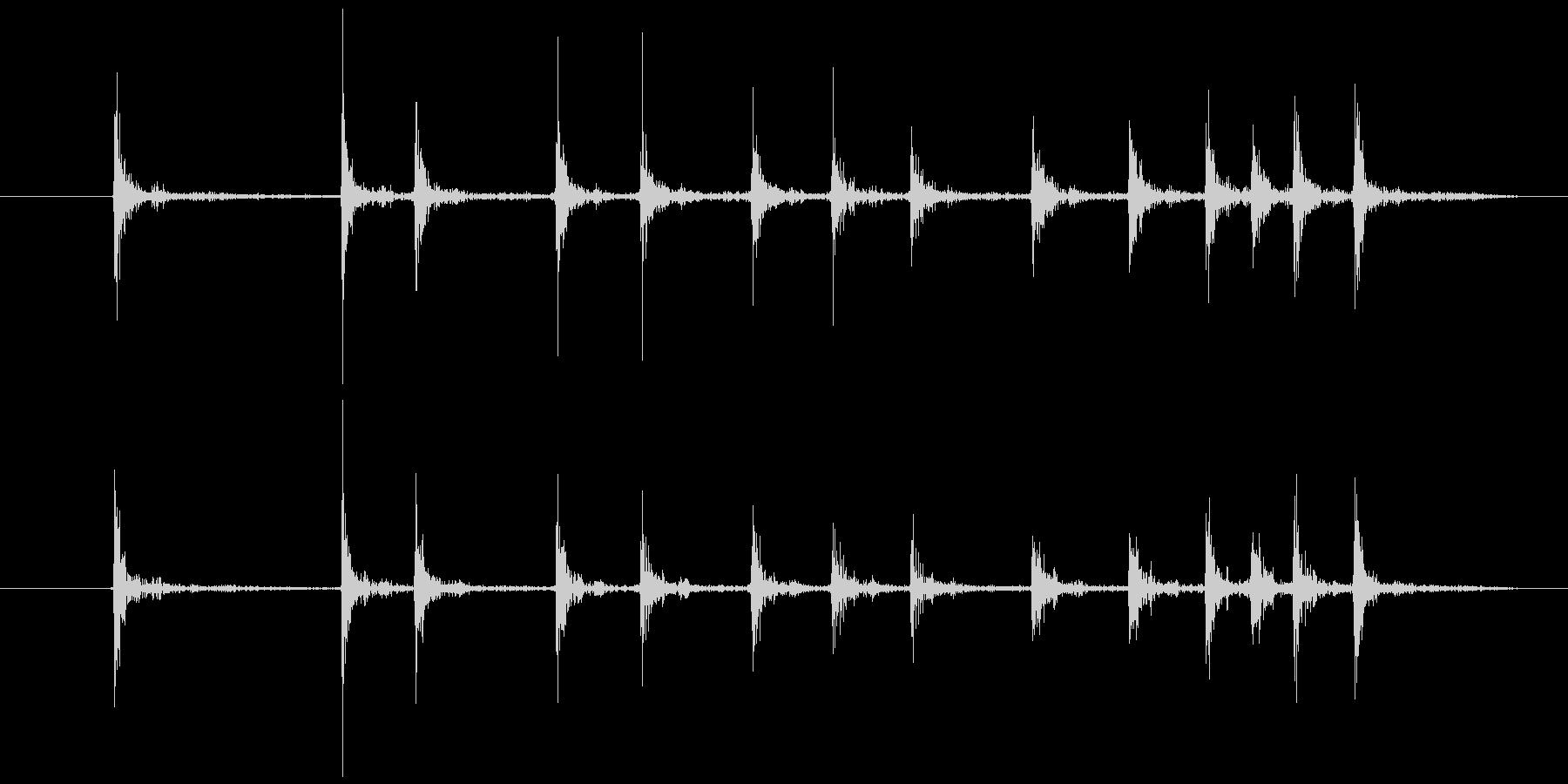 カッターの刃を出す(素早く)の未再生の波形