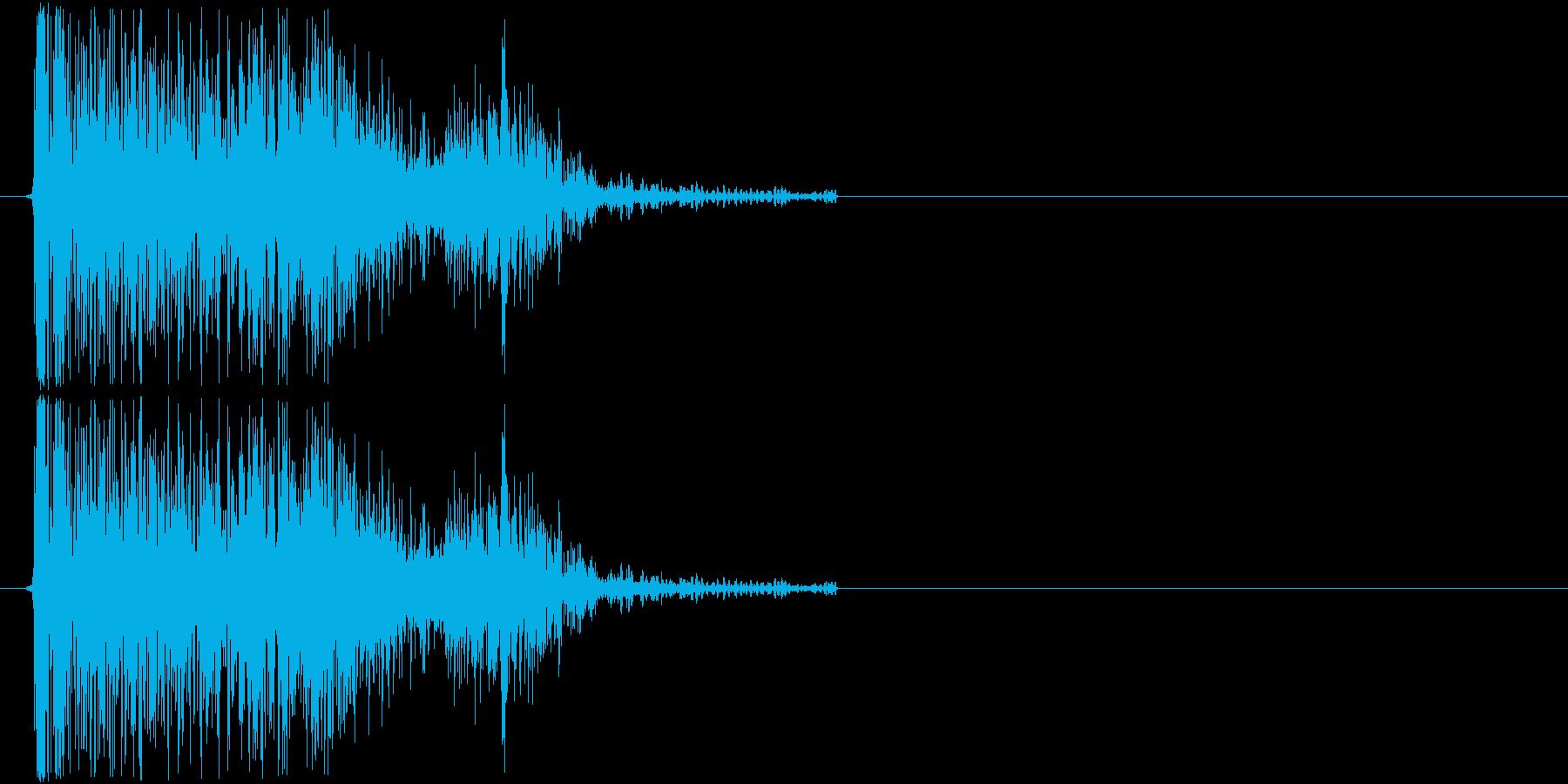 ドーン(爆弾の爆発音・砲撃音)の再生済みの波形