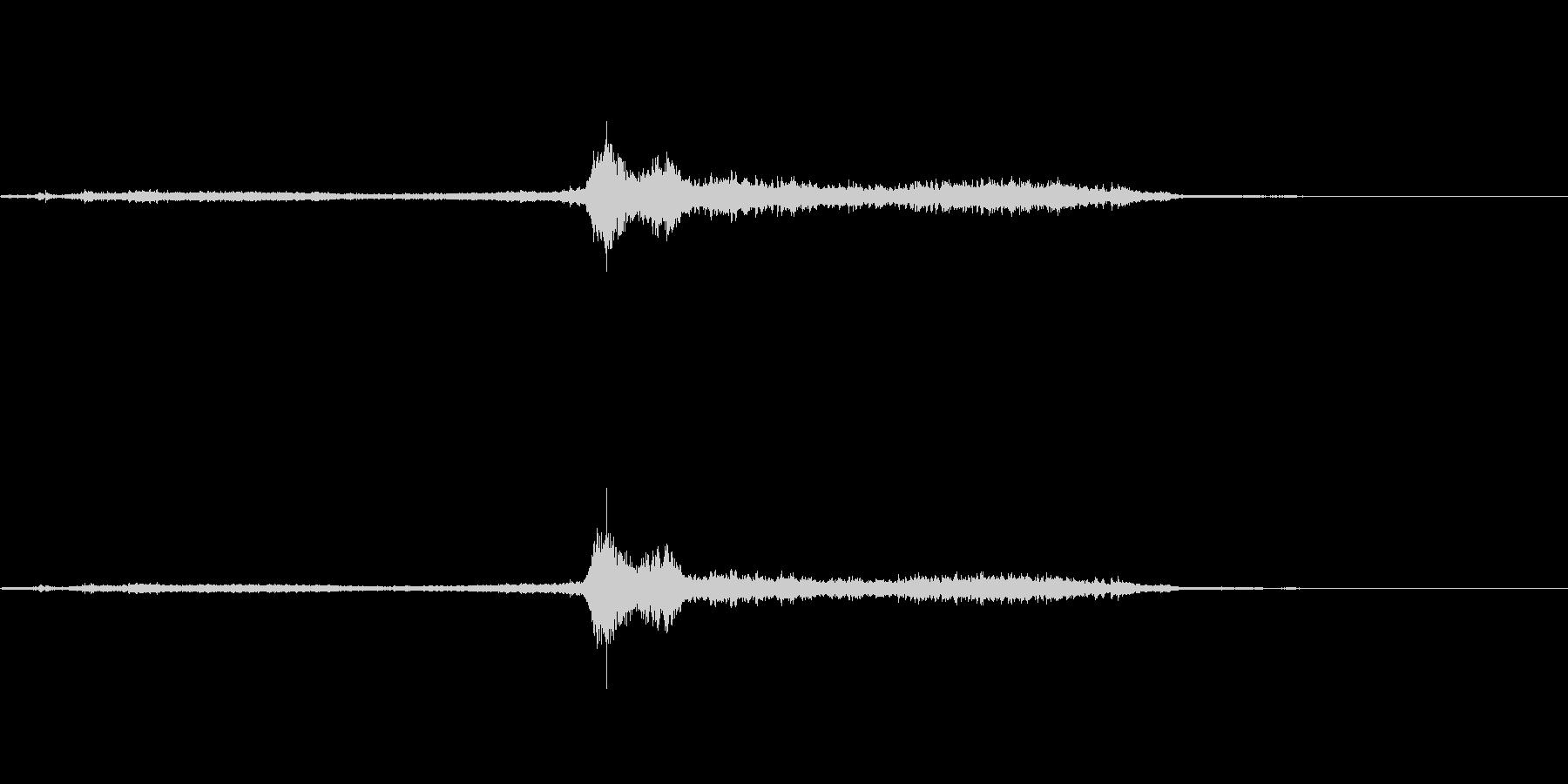 ガタンガタンキュー 電車の通過音の未再生の波形